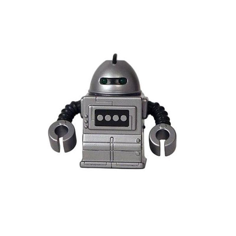 Танк - бронированный солдат. Еще в детстве он мечтал присоединиться к команде Z-7 и быть их защитником. Танк профессионал в области защиты и охраны. Он фанат стрельбы, взрывов и звука бьющегося стекла. На него возложена почетная обязанность - защищать слабых. Мини-робот Танк отличается оригинальным дизайном, а его некоторые детали светятся в темноте. Он двигается вперед и назад, разворачивается на 360 градусов, а также издает забавные звуки. Управление роботом происходит от пульта.