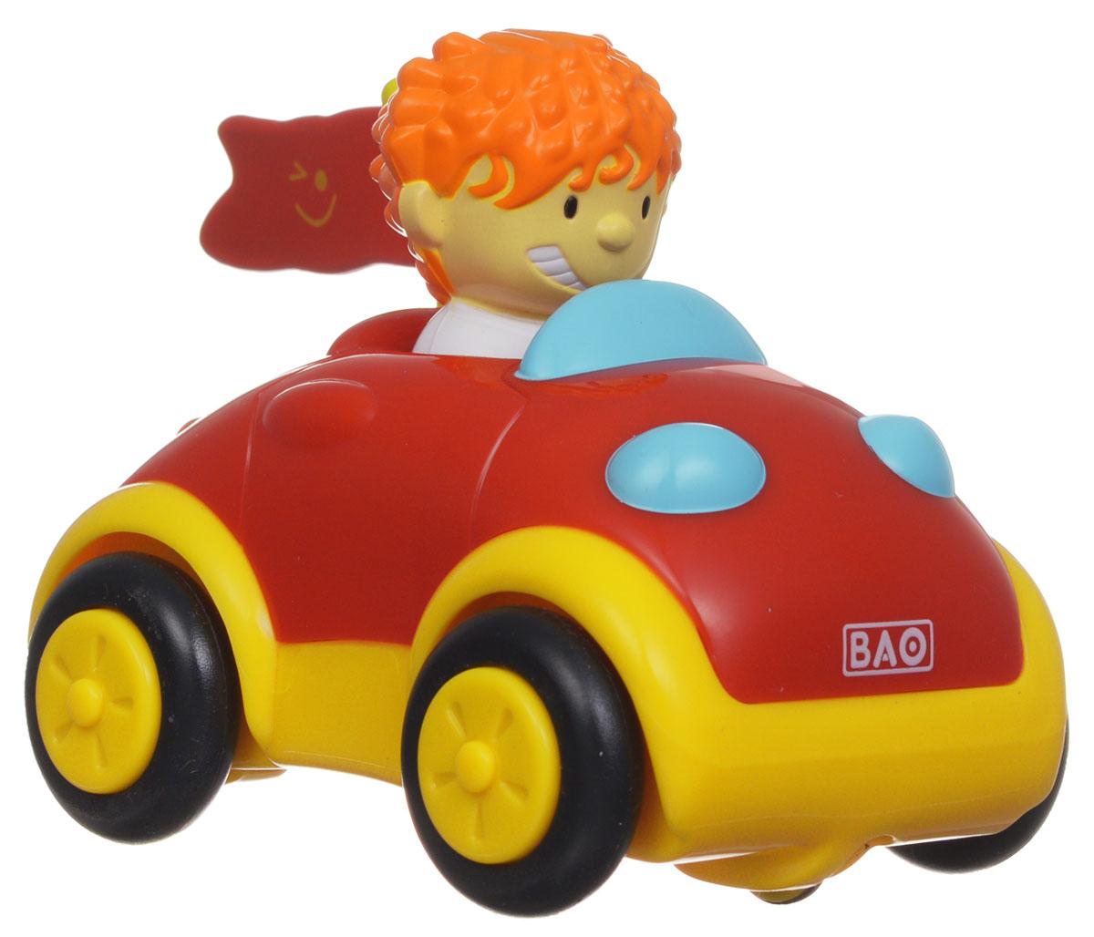 """Smoby """"Park & Drive"""" - это прекрасный игровой набор в виде своеобразного руля-гаража с машинкой и водителем. Набор доставит крохе массу положительных эмоций. Игровой комплект Smoby состоит из гаража желтого цвета, на котором располагается игровая управляющая панель с разноцветными кнопками и синий руль, а также красочной радиоуправляемой машинки с водителем. Игрушка снабжена звуковыми эффектами, а именно: если ребенок поворачивает ключ зажигания, то он слышит звук мотора, жмет на клаксон, располагающийся на руле - машинка сигналит, нажимает на красную кнопку - с помощью звука создается иллюзия проносящейся мимо машины, на желтую кнопку - слышит, как машинка тормозит, а при нажатии на зеленую кнопку раздается звук заводящейся машинки. Режим движения машинки: вперед, направо, налево. Для того, чтобы начать игру, остается лишь включить на машинке и руле позицию """"On"""". Машинкой можно управлять на достаточно дальнем расстоянии - 26 шагов. Во время игры с этой игрушкой у малыша..."""