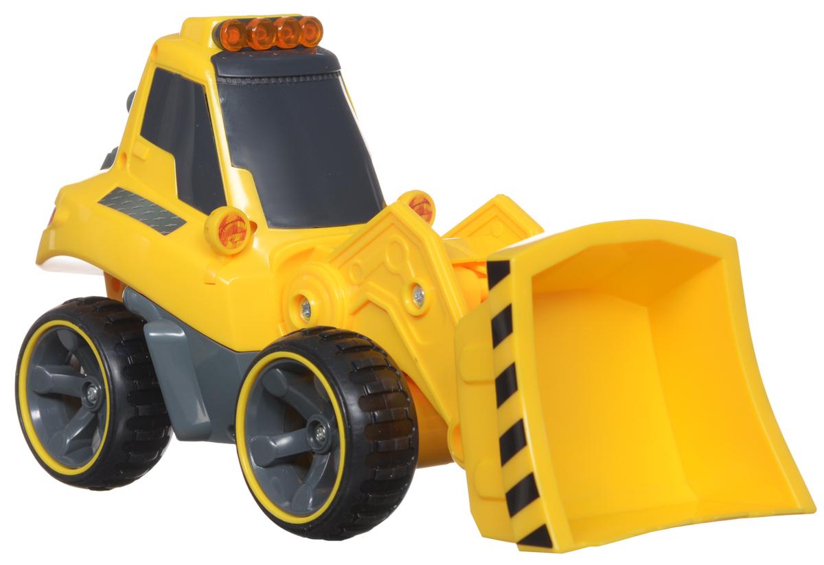 """Бульдозер """"Silverlit"""" на радиоуправлении обязательно привлечет внимание и взрослого, и ребенка и понравится любому, кто увлекается автомобилями. С помощью сменных агрегатов, бульдозер может превратиться во фронтальный погрузчик или в снегоуборочную машину. Полнофункциональное управление - вперед-назад, влево-вправо, пропорциональное точное управление скоростью, реалистичные звуковые эффекты, световые эффекты - горят сигнальные фонари на кабине бульдозера. Оригинальный пульт управления - в виде рации. И еще одна особенность - с одного пульта управления можно управлять различными строительными машинами серии """"Power in Fun"""": кроме бульдозера, еще и самосвалом или тягачом. У бульдозера есть сменные агрегаты - вилы для погрузчика и отвальной плуг для снегоуборочной машины. Рабочий агрегат на бульдозере - подвижный, но управляется механически. На пульте управления расположены кнопки управления звуковыми эффектами - мотор и сигнал, световыми эффектами - сигнальные огни на кабине,..."""