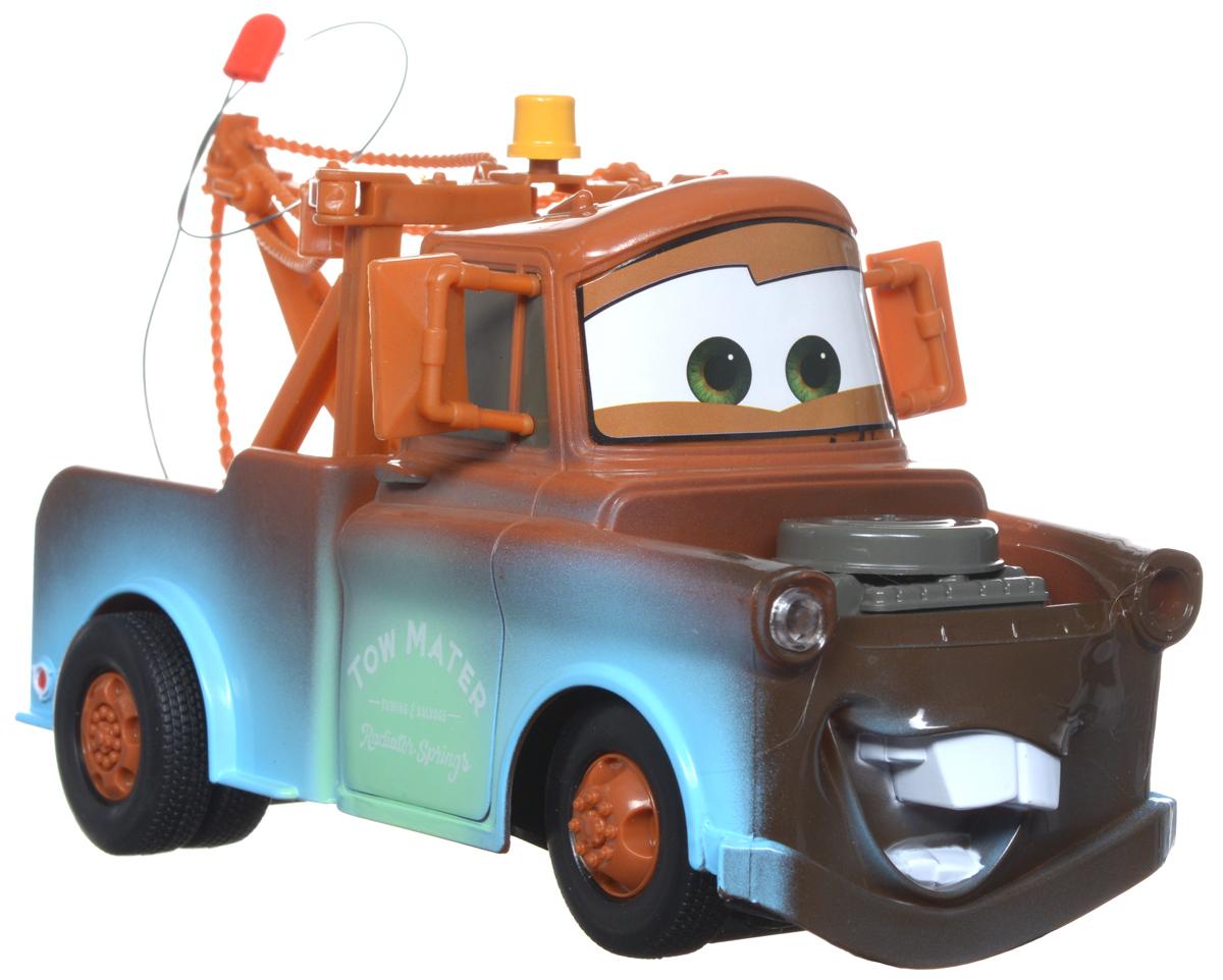"""Радиоуправляемая модель """"Тачки: Мэтр"""" станет отличным подарком для всех поклонников мультфильма """"Тачки"""". Тягач Мэтр поможет весело провести время, устраивая гонки на супер скорости с крутыми поворотами. Функции модели: передний ход, задний ход и поворот. Машинка изготовлена из прочного пластика, пульт управления выполнен в виде колеса гоночной машины. Ваш ребенок часами будет играть с машинкой, придумывая различные истории и устраивая соревнования. Порадуйте его таким замечательным подарком! Для работы машинки требуются 3 батарейки типа """"AА"""" (не входят в комплект). Для работы пульта управления требуется 1 батарейка типа 9V 6LR61/6F22 (не входят в комплект)."""