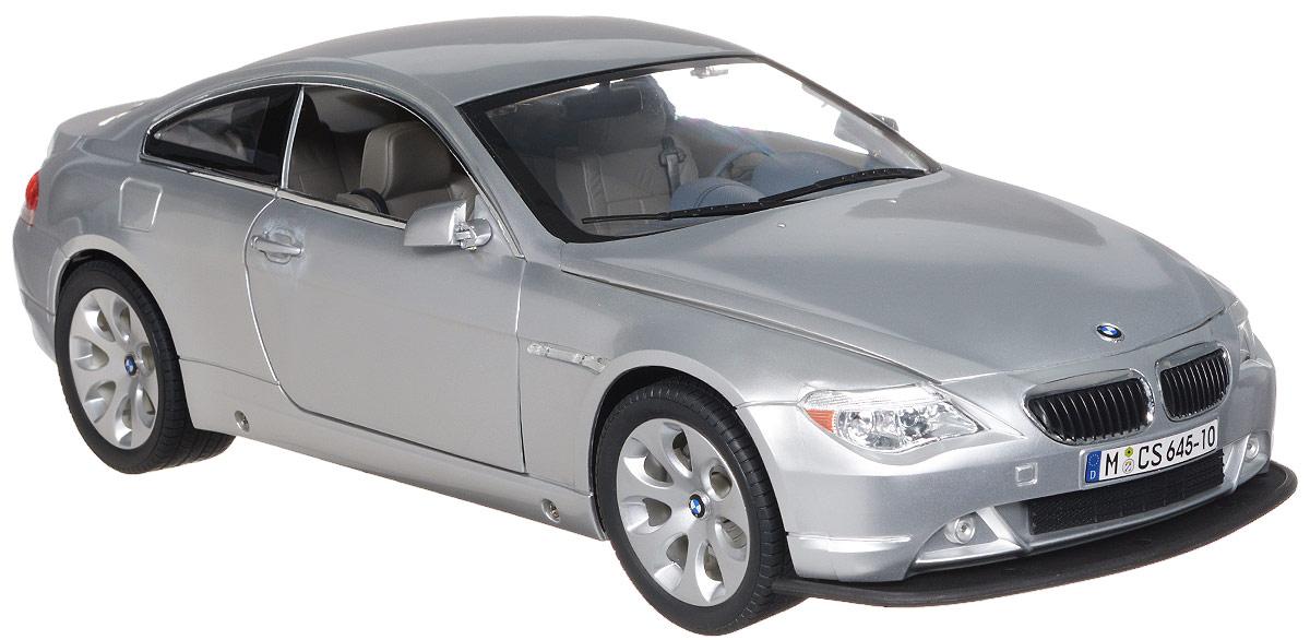 """Радиоуправляемая модель Rastar """"BMW 645Ci"""" обязательно привлечет внимание взрослого и ребенка и понравится любому, кто увлекается автомобилями. Все дети хотят иметь в наборе своих игрушек ослепительные, невероятные и крутые автомобили на радиоуправлении. Тем более если это автомобиль известной марки с проработкой всех деталей, удивляющий приятным качеством и видом. Маневренная и реалистичная уменьшенная копия """"BMW 645Ci"""" выполнена в точной детализации с настоящим автомобилем в масштабе 1:10. Управление машинкой происходит с помощью пульта. Автомобиль двигается вперед и назад, поворачивает направо и налево. У модели открываются двери, капот и багажник. Автомобиль изготовлен из пластика с металлическими деталями. Колеса игрушки прорезинены и обеспечивают плавный ход, машинка не портит напольное покрытие. Радиоуправляемые игрушки способствуют развитию координации движений, моторики и ловкости. Ваш ребенок часами будет играть с моделью, придумывая различные истории и..."""