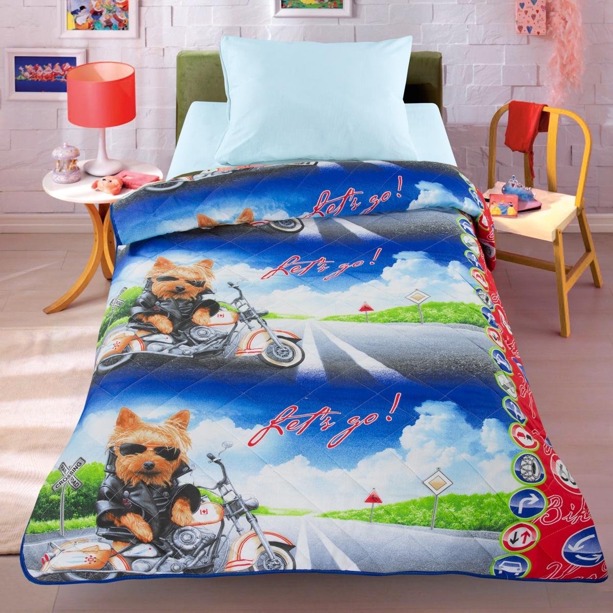 Letto Покрывало-одеяло цвет синий531-105Легкое оригинальное покрывало Letto в чехле будет радовать вашего малыша в течение всего года. Сидеть на таком покрывале будет приятно и комфортно - ведь оно выполнено из 100% хлопка. К тому же одеяло можно использовать и как одеяло на детскую кровать. Наполнитель - силиконизированное волокно. Вашему ребенку не будет жарко под таким одеялом, а это значит от не будет раскрываться. Оно подлежит машинной стирке при температуре 30 гр., строго на деликатном режиме.140*205