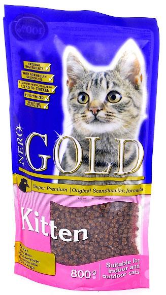Корм сухой Nero Gold Kitten, для котят, курица, 800 г44393Корм сухой Nero Gold Kitten - полнорационный сбалансированный корм Супер-премиум класса для котят с курицей. Изготовлен из куриного мяса, которое легко усваивается организмом и содержит необходимое количество питательных веществ, витаминов, минералов и аминокислот для здоровья вашего питомца. Содержит оптимальное соотношение минералов и витаминов, что способствует здоровому развитию котенка и поддержанию высокого мышечного тонуса. Способствует сохранению природной зоркости. Способствует укреплению иммунитета. Пивные дрожжи улучшают состояние шерсти придают ей блеск и шелковистость. Содержит таурин необходимый кошкам для поддержания целостности сетчатки глаза кошки, предотвращение развития сердечных заболеваний, для развития и поддержания целостности нервной ткани. Хондроитин укрепляет соединительные структуры тканей, в том числе хрящи, уменьшают мышечную утомляемость.Не содержит пшеницу, сою, молочные ингредиенты, говядину, свинину, субпродукты и ГМО. Именно эти ингредиенты вызывают пищевую непереносимость.Состав: дегидрированное куриное мясо, рис, куриный жир, дегидрированная рыба, маис, гидролизованная куриная печень, мякоть свеклы, дрожжи, яичный порошок, рыбий жир, минералы и витамины, хондроитин и глюкозамин, лецитин (мин. 0,5 %), инулин (мин. 0,5 % FOS), таурин.Пищевая ценность: протеин 34%, жиры 22%, клетчатка 2%, зола 6,5%, влажность 8%, фосфор 0,8%, кальций 1,4%.Пищевые добавки (на 1 кг): витамин A (E672) 20 000 IU, витамин D3 (E671) 2 000 IU, витамин E (альфа токоферола ацетат) 400 мг, витамин C (фосфат аскорбиновой кислоты) 200 мг, таурин 1000 мг/кг, сульфат железа 75 мг, иодат кальция 1,5 мг, сульфат меди 5 мг, сульфат марганца 30 мг, сульфат цинка 65 мг.Товар сертифицирован.