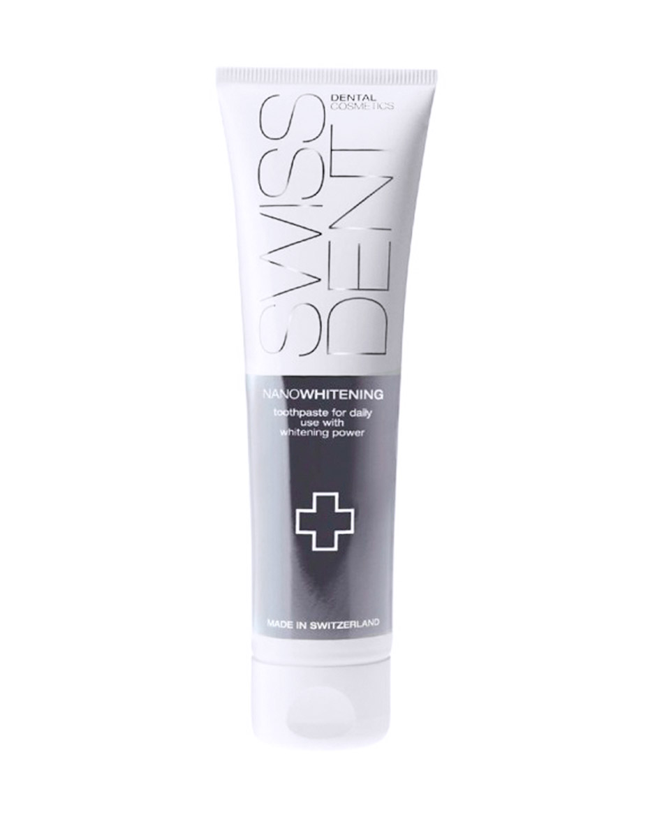 Swissdent Отбеливающая зубная паста для чувствительных зубов Gentle, 100 мл00-00000241SWISSDENT NANOWHITENING - Низкоабразивная отбеливающая зубная паста для ежедневного применения, для чувствительных зубов (деликатное отбеливание) - Запатентованная система отбеливания на основе нанотехнологий - Содержит Ферменты (бромелайн и папаин), Витамин Е, Коэнзим Q10 - Не содержит SLS/СЛС- Один из самых низких уровней абразивности (RDA) в мире - RDA 25 - Рекомендованы для ежедневного применения - Безопасное и эффективное отбеливание каждый день. Производитель: SWISSDENT Dental Cosmetics, Швейцария Упаковка: 100 мл.