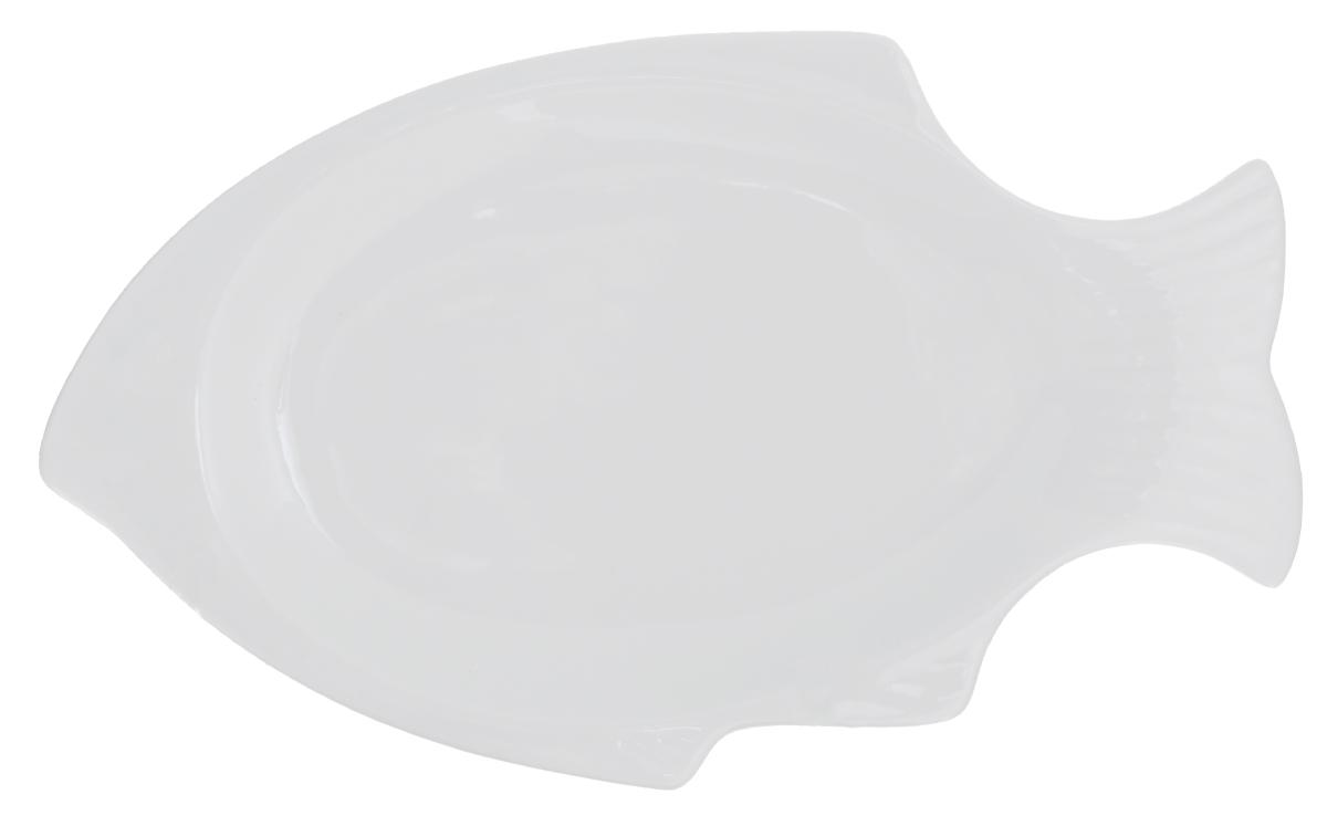 Блюдо сервировочное Walmer Fish, цвет: белый, 31 х 17 х 2,5 см101147Сервировочное блюдо Walmer Fish изготовлено из высококачественного фарфора в виде рыбы. Блюдо - необходимая вещь при застолье. Вы можете использовать его для закусок, сырной нарезки, колбасных изделий и, конечно, горячих блюд. Изумительное сервировочное блюдо станет изысканным украшением вашего праздничного стола.