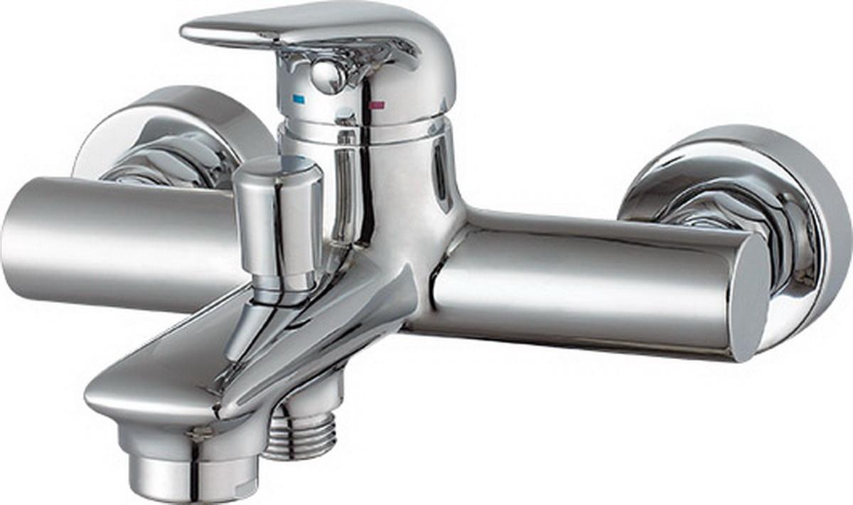 Смеситель для ванны Argo Eva35750Смеситель для ванны Argo Eva предназначен для смешивания холодной и горячей воды, устанавливается на стену. Выполнен из высококачественной латуни с покрытием из хрома.Запорный механизм: картридж d-35 мм Short-size FLUHS.Тип дайвотера: штоковый.Аэратор: М28х1 наружная резьба Neoperl Cascade SLC Антикалькар 22,8-25,2 л/мин при 0,3 Мпа.Крепеж: эксцентрик усиленный 3/4 х 1/2 с редуктором шума + прокладка-фильтр.