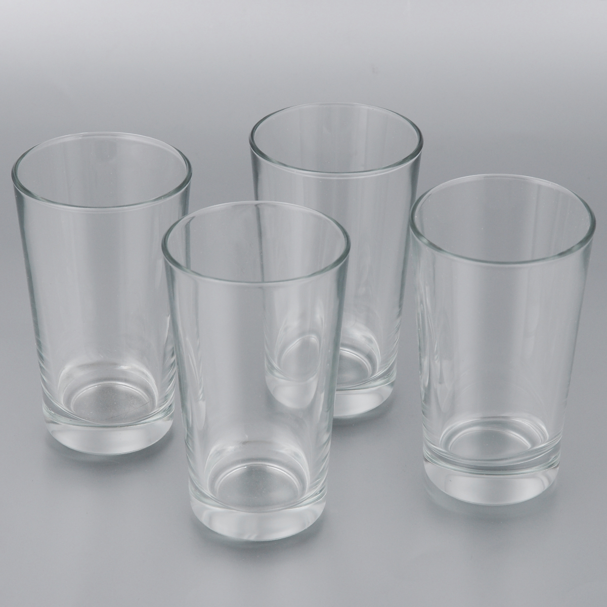 Набор стаканов Bormioli Rocco Cometa, 300 мл, 4 штVT-1520(SR)Набор Bormioli Rocco Cometa состоит из четырех высоких стаканов, выполненных из высококачественного стекла. Изделия предназначены для подачи холодных напитков. Они сочетают в себе элегантный дизайн и функциональность. Благодаря такому набору пить напитки будет еще приятнее.Набор стаканов Bormioli Rocco Cometa идеально подойдет для сервировки стола и станет отличным подарком к любому празднику.Характеристики:Объем стакана: 300 мл.Диаметр стакана (по верхнему краю): 7,5 см.Высота стакана: 12,5 см.Диаметр основания стакана: 5,5 см.