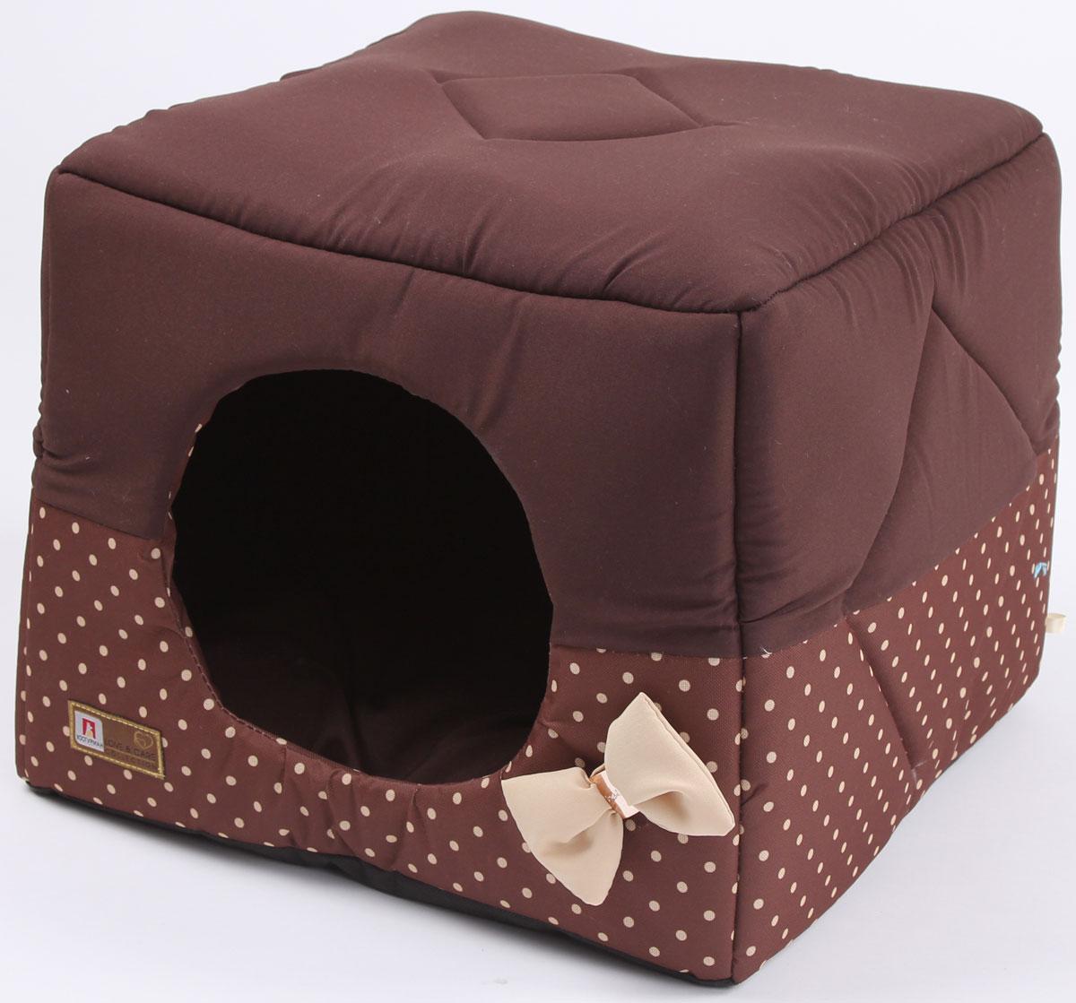 Лежак для собак и кошек Зоогурман Домосед, цвет: шоколадный, бежевый горох, 45 х 45 х 45 см0120710Оригинальный и мягкий лежак для кошек и собак Зоогурман Домосед обязательно понравится вашемупитомцу. Лежак выполнен из приятного материала. Уникальная конструкция лежака имеет два варианта использования: - лежанка, с высокими бортиками и мягкой внутренней подушкой, - закрытый домик с мягкой подушкой внутри.Универсальный лежак-трансформер непременно понравится вашему питомцу, подарит ему ощущение уюта и комфорта. В комплекте со съемной подушкой мягкая игрушка косточка.За изделием легко ухаживать, можно стирать вручную или в стиральной машинепри температуре 40°С. Материал: микроволоконная шерстяная ткань.Наполнитель: гипоаллергенное синтетическое волокно. Наполнитель матрасика: шерсть. Размер: 45 х 45 х 45 см. Размер лежанки: 45 х 20 х 45 см.