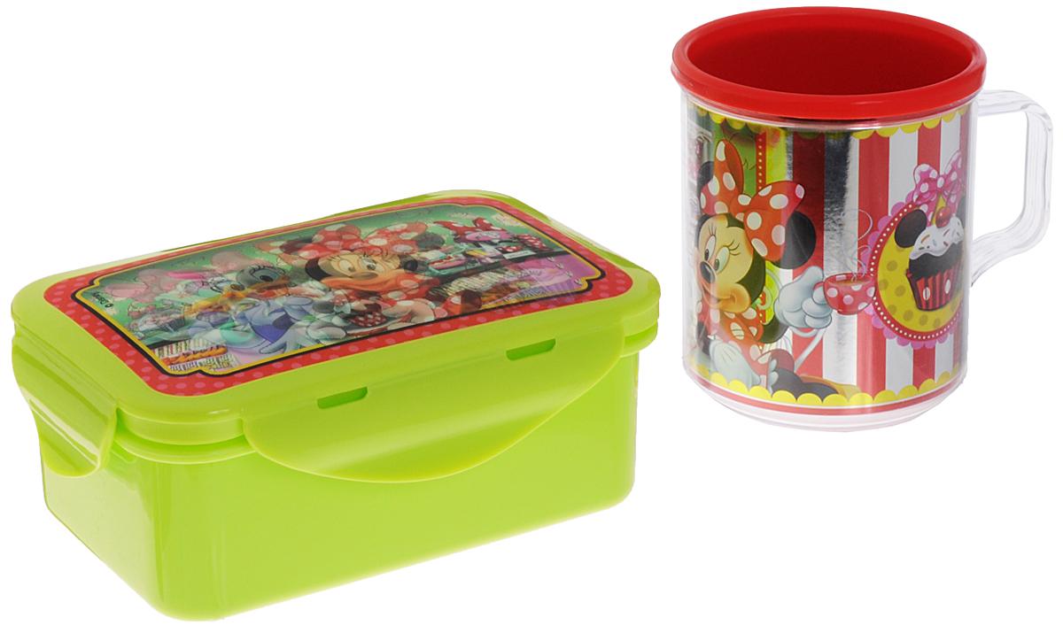 Disney Набор детской посуды Минни и Дейзи 2 предмета115510Набор детской посуды Disney Минни и Дейзи состоит из двух предметов: контейнера для бутербродов с крышкой и кружки. Изделия выполнены из высококачественного пищевого пластика, что очень удобно и безопасно, так как пластик не бьется. Набор оформлен красочными объемными изображениями Минни и Дейзи, которые меняются под разными углами зрения. Контейнер с плотно прилегающей крышкой надежно сохранит пищу в любых условиях, а толстые стенки кружки сберегут тепло любимого напитка. Яркий красочный дизайн привлечет внимание ребенка и сделает прием пищи веселым занятием. Не подходит для использования в СВЧ-печи и посудомоечной машине.