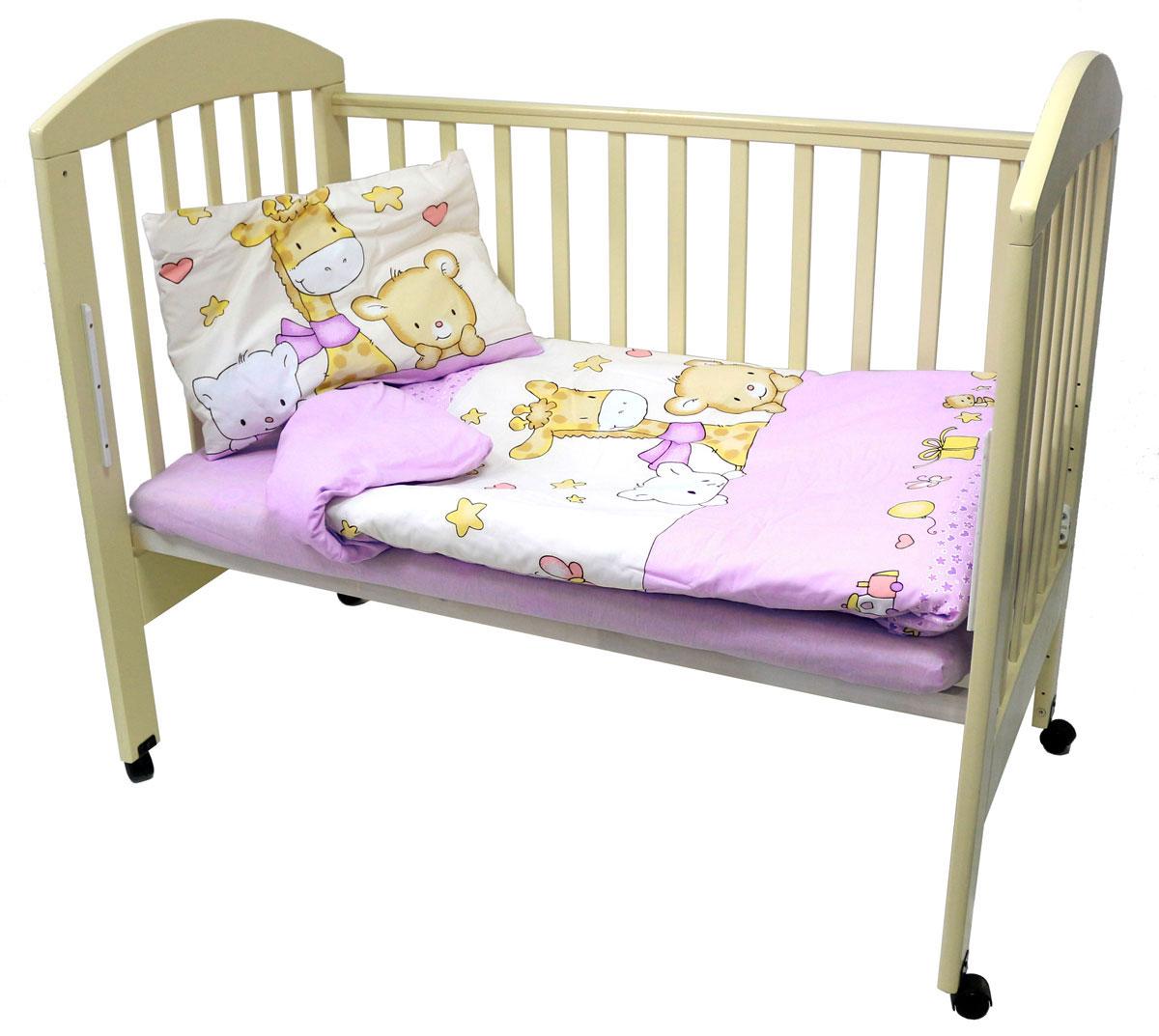 Топотушки Комплект белья для новорожденных Детский мир цвет розовый 3 предмета4630008874127Комплект белья для новорожденных Топотушки Детский мир выполнен в нежно-розовых тонах с забавным рисунком. Комплект белья Детский мир создаст комфорт и уют в кроватке малыша и обеспечит крепкий и здоровый сон, а современный дизайн и цветовые сочетания помогут ребенку адаптироваться в новом для него мире. Комплект белья для новорожденных Топотушки Детский мир хорошо впишется в интерьер как детской комнаты, так и спальни родителей. Цветовые и дизайнерские решения - плоды совместных трудов европейских дизайнеров и российских технологов - делают внешний вид комплекта роскошным и незабываемым. Качество материала обеспечивает легкость стирки и долговечность. Комплект включает в себя наволочку 60 см х 40 см, пододеяльник 104 см х 146 см, простыню на резинке 60 см х 120 см.