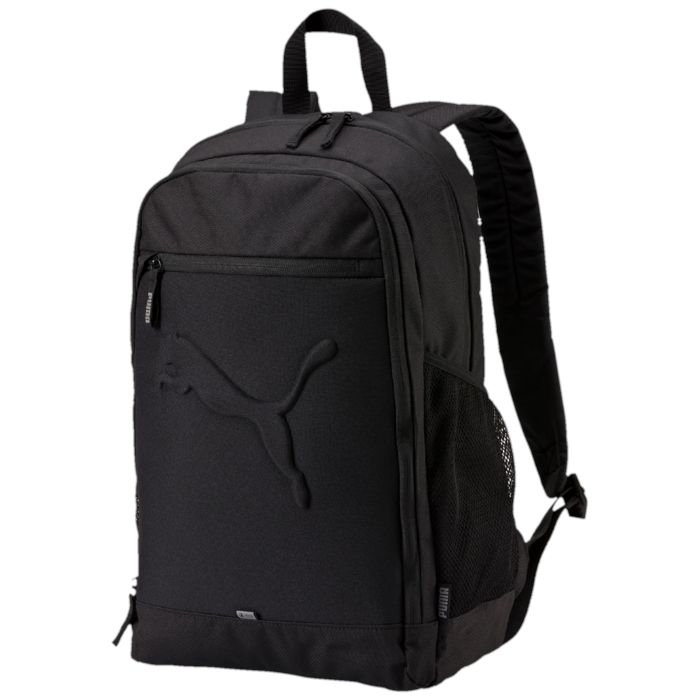 Рюкзак городской Puma Buzz Backpack, цвет: черный. 07358101RD-418-1/3Функциональный рюкзак от PUMA имеет главное отделение на молнии, открывающейся с двух сторон, переднее отделение на молнии, накладной карман на молнии спереди и боковые карманы из сетчатого материала. Также у рюкзака имеются два накладных кармана внутри переднего отделения, отделение для ноутбука из эластичного материала с мягкой подложкой внутри главного отделения и износостойкая подкладка из полиэстера 150D с изнанкой из полиуретана. Закругленные наплечные лямки регулируемой длины с мягкой подложкой отделаны снизу сетчатым материалом, декорированы отстрочкой и снабжены петлей из светоотражающего материала с логотипом Puma. Обращенная к спине часть рюкзака простегана мягким материалом. Также рюкзак снабжен ручкой для переноски из лямочной ленты и имеет другие приспособления, повышающие его удобство, в частности, через металлические язычки застежек-молний главного отделения продернута лямочная лента, а через металлический язычок застежки-молнии кармана спереди - тесьма с символикой PUMA. Рюкзак декорирован спереди накладкой из светоотражающего материала с фирменной символикой и крупным набивным объемным логотипом PUMA, а также имеет сбоку тканый ярлык с надписью PUMA.