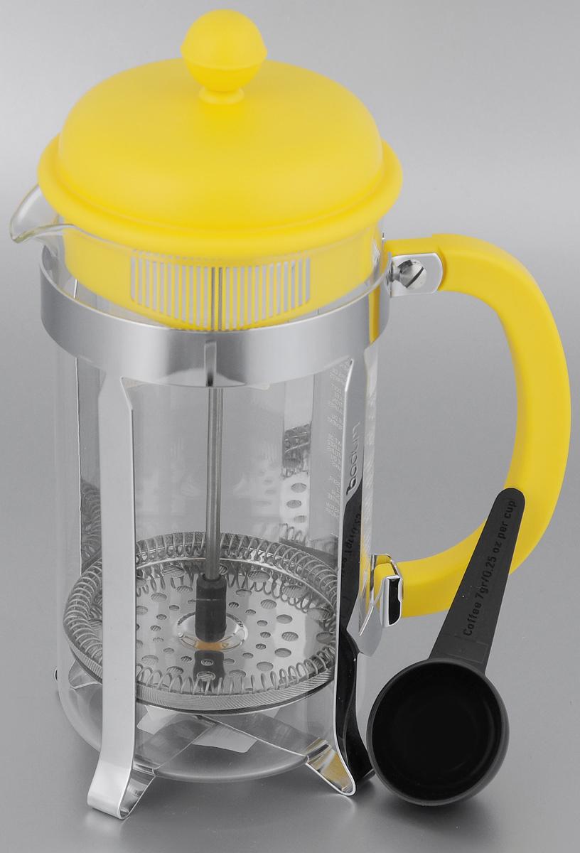 Френч-пресс Bodum Caffettiera, с ложкой, цвет: желтый, 1 л94672Френч-пресс Bodum Caffettiera изготовлен из высококачественной нержавеющей стали, пластика и жаропрочного стекла. Фильтр-поршень из нержавеющей стали выполнен по технологии Press-Up для обеспечения равномерной циркуляции воды. Засыпая чайную заварку или кофе под фильтр, заливая горячей водой, вы получаете ароматный напиток с оптимальной крепостью и насыщенностью. Френч-пресс Caffettiera позволит быстро и просто приготовить свежий и ароматный кофе или чай. В комплект входит мерная ложка. Можно мыть в посудомоечной машине.Диаметр френч-пресса (по верхнему краю): 9,5 см.Высота френч-пресса: 24,5 см.Длина ложки: 10 см.Диаметр рабочей поверхности ложки: 4,5 см.