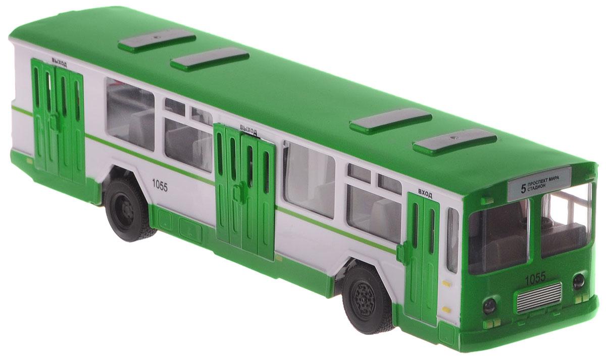 """Автобус на радиоуправлении """"ТехноПарк"""", выполненный из безопасных материалов, станет любимой игрушкой вашего малыша. Изделие представляет собой модель городского рейсового автобуса. Дверцы салона открываются. Движение автобуса: вперед-назад, влево-вправо. Имеет звуковые и световые эффекты. Ваш ребенок будет часами играть с этой игрушкой, придумывая различные истории. Порадуйте его таким замечательным подарком! Необходимо купить 2 батарейки типа АА для пульта управления и 3 батарейки типа ААА для автобуса (не входят в комплект)."""