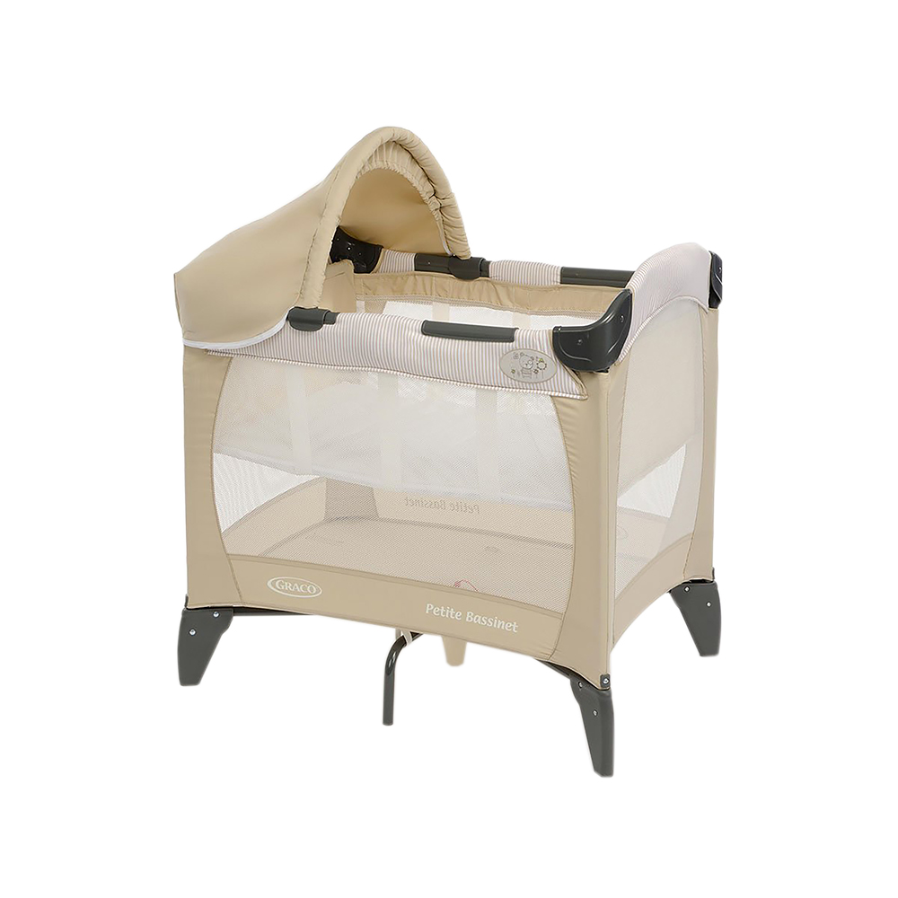 Компактная дорожная кроватка идеально подойдет для путешествий с малышом. Съемный козырек и солнцезащитный тент, так что можно использовать на улице в загородном доме. Компактная конструкция и легкие материалы делают эту кроватку мобильной и практичной. Удобный механизм складывания. Сумка для переноске в комплекте. Легкий вес! С рождения до 3х лет (0-15 кг). Колыбель с рождения до достижения веса 6,5 кг. 81х56х84 см в разложенном состоянии. 23х23х80 см в сложенном состоянии. Вес 8 кг. Легкое и удобное перемещение по квартире.