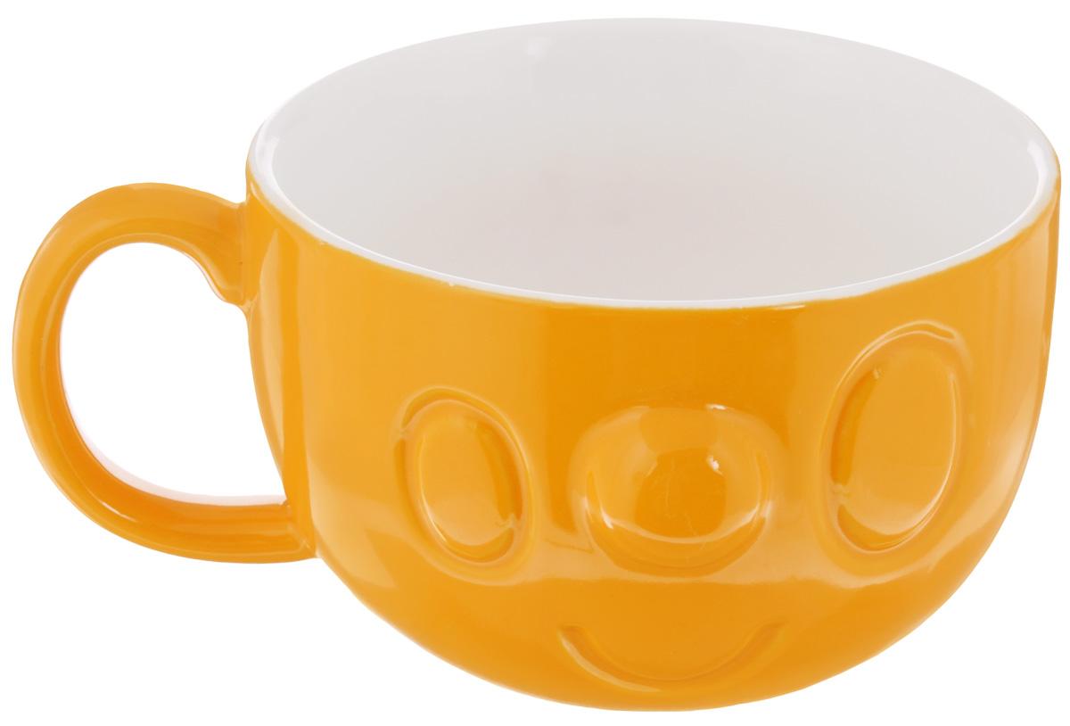 Кружка Elan Gallery Мордашка, цвет: оранжевый, 400 мл54 009312Кружка Elan Gallery Мордашка, выполненная из высококачественной керамики, станет отличным дополнением к сервировке семейного стола, а также замечательным подарком для ваших родных и друзей. Изделие можно использовать для прозрачных бульонов и легких порционных закусок.Не рекомендуется применять абразивные моющие средства. Не использовать в микроволновой печи.Диаметр кружки (по верхнему краю): 11 см.