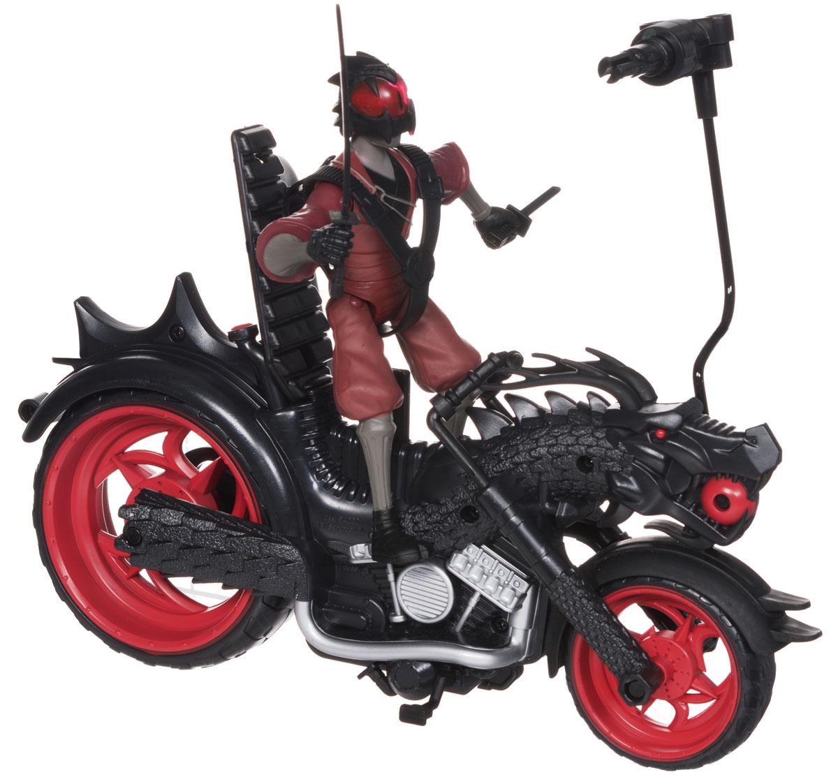 """Мотоцикл Черепашки Ниндзя """"Огненный гонщик"""" непременно понравится вашему ребенку и надолго займет его внимание. Набор выполнен из безопасного пластика и включает игрушку в виде мотоцикла клана """"Фут"""", фигурку Фенга - Воина Дракона и его оружие - меч. Мотоцикл, принадлежащий группировке """"Пурпурный дракон"""", оснащен катапультой. Достаточно нажать кнопку в задней части мотоцикла, и фигурка катапультируется из седла, сделав сальто на 360°. Также мотоцикл снабжен вращающимися колесами и подножкой для устойчивости мотоцикла. Фигурка имеет шарнирное устройство конечностей, что позволяет фиксировать ее в нужном положении. На мотоцикл можно посадить любого участника команды """"TMNT"""". Ваш ребенок с удовольствием будет играть с мотоциклом, придумывая различные истории. Порадуйте его таким замечательным подарком!"""