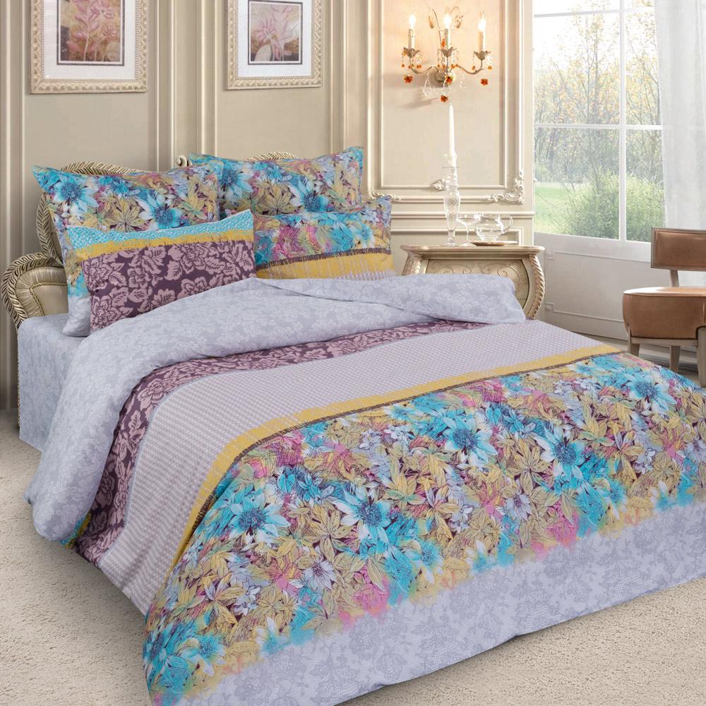Комплект белья Letto, семейный, наволочки 70x70. PL26-74630003364517Комплект постельного белья Letto выполнен из перкаля - хлопковой ткани полотняного плетения. Такая ткань отличается внешне плотной структурой, но при этом вполне тонкая и мягкая. Комплект состоит из двух пододеяльников, простыни и двух наволочек. Постельное белье, оформленное цветочным рисунком, имеет изысканный внешний вид. Пододеяльники застегиваются на молнии.Благодаря такому комплекту постельного белья вы сможете создать атмосферу роскоши и романтики в вашей спальне. Уважаемые клиенты! Обращаем ваше внимание на тот факт, что расцветка наволочек может отличаться от представленной на фото.