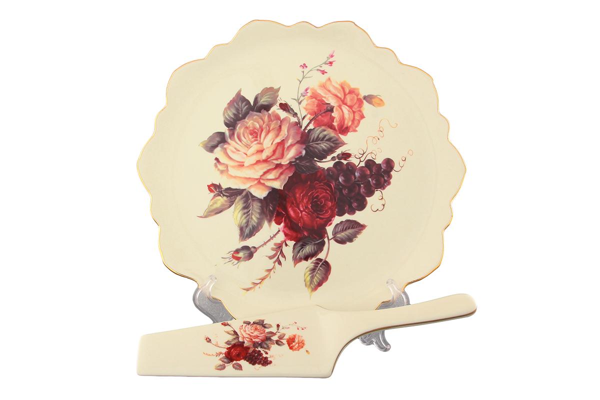 Набор для торта Elan Gallery Бархатный нектар, 2 предмета801150Набор для торта Elan Gallery Бархатный нектар состоит из блюда и лопатки. Изделия выполнены из керамики и оформлены изящным рисунком. Набор идеален для подачи тортов, пирогов и другой выпечки.Яркий дизайн сделает набор изысканным украшением праздничного стола. Не рекомендуется использовать в микроволновой печи.Диаметр блюда: 27 см. Высота блюда: 2,5 см.Длина лопатки: 25,5 см.