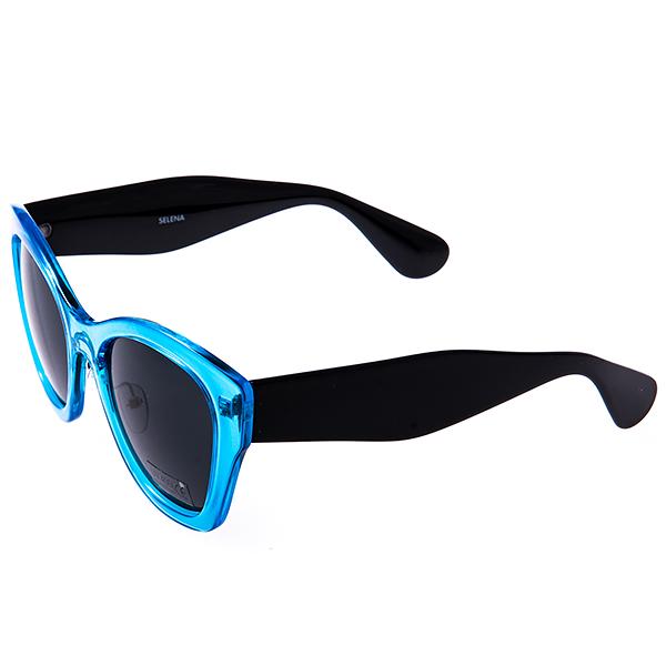 Солнцезащитные очки женские Selena, цвет: голубой, черный. 80031291INT-06501Солнцезащитные женские очки Selena выполнены из высококачественного пластика с элементами из металла, оправа выполнена в ярком цвете.Линзы данных очков с высокоэффективным фильтром UV-400 Protection обеспечивают полную защиту от ультрафиолетовых лучей. Используемый пластик не искажает изображение, не подвержен нагреванию и вредному воздействию солнечных лучей.Такие очки защитят глаза от ультрафиолетовых лучей, подчеркнут вашу индивидуальность и сделают ваш образ завершенным.