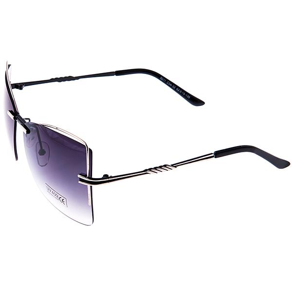 Солнцезащитные очки женские Selena, цвет: черный. 80032501BM8434-58AEСолнцезащитные женские очки Selena выполнены из металла с элементами из высококачественного пластика, дужки оформлены декоративными элементами.Линзы данных очков с высокоэффективным фильтром UV-400 Protetion обеспечивают полную защиту от ультрафиолетовых лучей. Используемый пластик не искажает изображение, не подвержен нагреванию и вредному воздействию солнечных лучей.Такие очки защитят глаза от ультрафиолетовых лучей, подчеркнут вашу индивидуальность и сделают ваш образ завершенным.