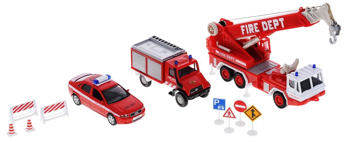 """Игровой набор Welly """"Пожарная команда"""" представляет собой 3 реалистичные модели , выполненные в виде точных копий пожарной техники и 8 сопутствующих атрибутов. Набор включает в себя автокран, седан, грузовик и 8 дорожных знаков. Модели отличаются высоким качеством исполнения и детализации. Корпус моделей выполнен из металла и пластика, стекла изготовлены из прочного прозрачного пластика. Колеса машинок и башня крана вращаются, дверцы седана открываются, стрела крана выдвигается, крюк крана опускается. Ваш ребенок часами будет играть с набором, придумывая различные истории. Порадуйте его таким замечательным подарком!"""