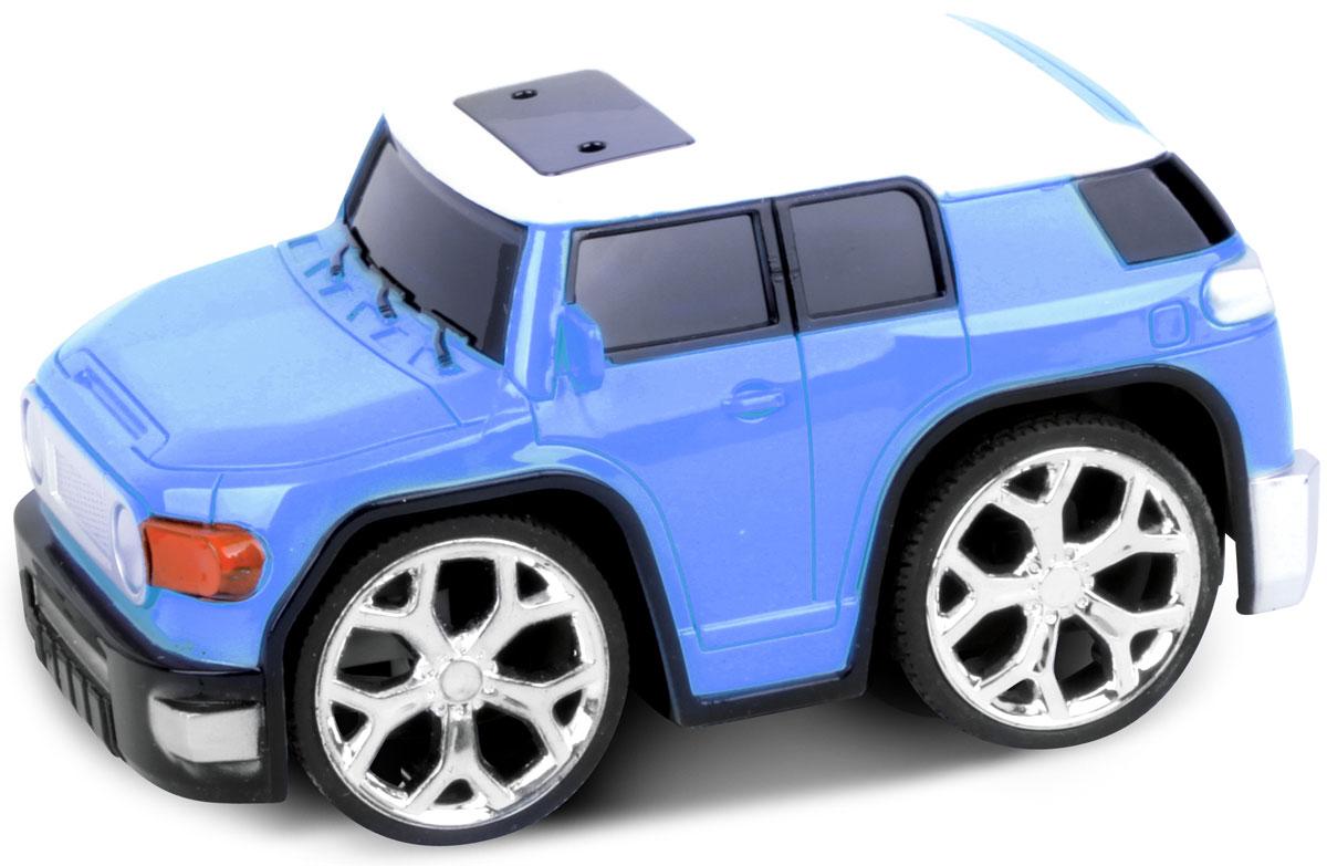 Это один из представителей яркой серии машинок Racing Car. Она проста в управлении, двигается вперед, назад, влево и вправо. Для того, чтобы начать играть, достаточно просто докупить элементов питания для машинки и пульта управления.