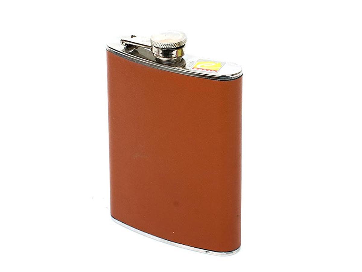 Фляга Calve, карманная, цвет: коричневый, 230 млCL-1720_коричневыйКарманная фляга Calve изготовлена из нержавеющей стали 18/10 и оформлена вставкой из искусственной кожи. Фляга специально предназначена для хранения алкогольных напитков. Ее нельзя использовать для напитков, содержащих кислоту, таких как сок и сердечные лекарства. Крышка плотно закрывается, предотвращая проливание. Фляга Calve - идеальный подарок для настоящих мужчин. Стильный дизайн, компактность и качество изделия, несомненно, порадуют любого мужчину.Можно мыть в посудомоечной машине.Длина фляги: 9,5 см. Ширина фляги: 2 см. Высота фляги: 13,5 см.