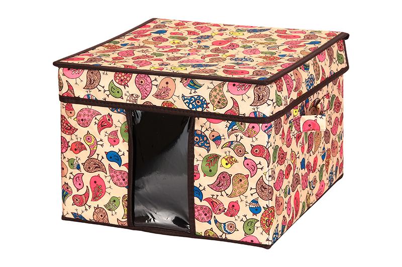 Кофр для хранения El Casa Птички, складной, 32 х 32 х 24 см840080Компактный складной кофр El Casa Птички изготовлен из высококачественного полиэстера, который обеспечивает естественную вентиляцию, позволяя воздуху проникать внутрь, но не пропуская пыль. Вставка и стенки из плотного картона хорошо держат форму. Кофр оснащен 2 удобными ручками, которые позволяют использовать его в качестве выдвижного ящика в гардеробе или шкафу. Изделие закрывается откидной крышкой. Прозрачная вставка из ПВХ позволяет легко просматривать содержимое. Оригинальный дизайн сделает вашу гардеробную красивой и невероятно стильной.Размер кофра (в собранном виде): 32 х 32 х 24 см.