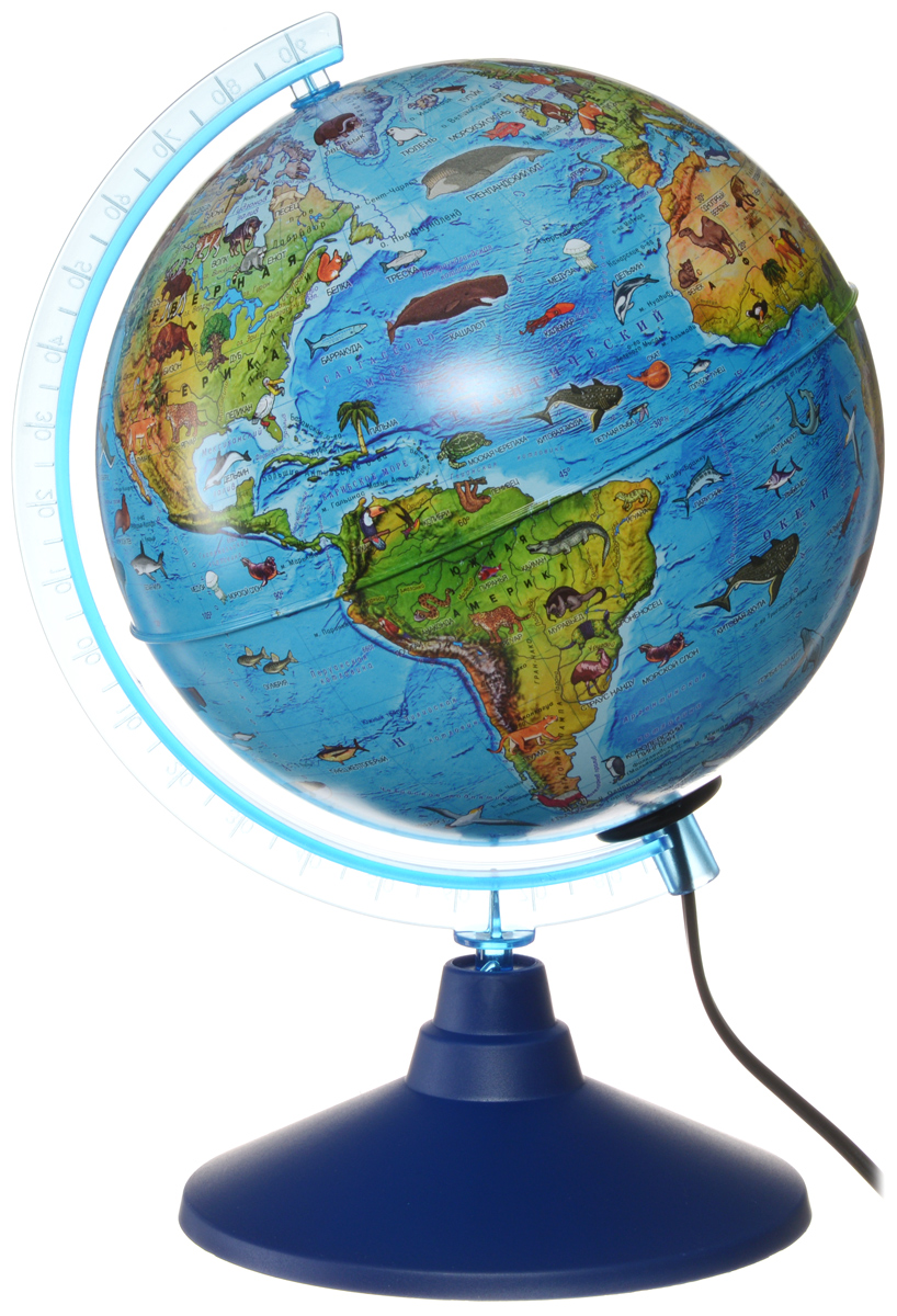 Зоогеографический глобус Земли Globen выполнен в высоком качестве, с четким и ярким изображением. Он дает представление о животных, обитающих в разных уголках планеты. На нем отображены названия материков, океанов и морей, крупных географических объектов, животные и некоторые виды растений, характерные для определенной местности.Глобус легко вращается вокруг своей оси, снабжен пластиковым меридианом с градусными отметками. Подставка изготовлена из пластика. Глобус имеет функцию подсветки от электрической сети. На кабеле питания имеется переключатель.Надписи на глобусе сделаны на русском языке. В комплект входит: глобус, подставка.