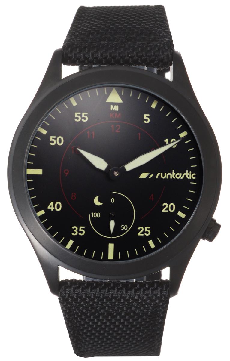 Часы наручные Runtastic Moment Elite, спортивные, цвет: черный. RUNMOEL1FT101Спортивные часы Runtastic Moment Elite выполнены из нержавеющей стали, натуральной кожи и минерального стекла. Модель Moment Elite представляет собой стильные наручные часы с круглым аналоговым циферблатом.Многофункциональные спортивные часы оснащены функцией Bluetooth Smart, которая позволит синхронизировать часы с самртфоном. Корпус часов имеет степень водонепроницаемости 100м и дополнен устойчивым к царапинам минеральным стеклом, стрелки дополнены светящимся составом. Ремешок часов выполнен из натуральной кожи и текстиля, а также оснащен практичной пряжкой, которая позволит с легкостью снимать и надевать изделие.Комплект поставки включает: часы, элемент питания, инструмент для замены элемента питания, 4 дополнительных винта.Изделие поставляется в фирменной упаковке.Гаджет идеально подходит для активного образа жизни. Высокое качество, элегантный дизайн и инновационные технологии позволяют достигать поставленных целей, контролировать ежедневный прогресс. Совместимость с iPhone 4s и более новыми моделями, со смартфонами на базе Android (v4.3 и новее) поддерживающими Bluetooth 4.0 Smart; смартфонами и планшетами на базе Windows Phone (v8.1 и новее), поддерживающими Bluetooth 4.0 Smart.