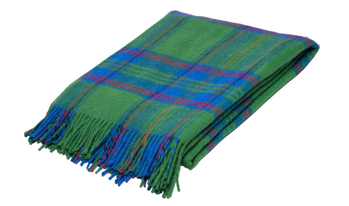 Плед Торговый Дом Руно Шотландия, 170 х 200 см. 1-282-170 (45)ES-412Мягкий плед Руно Шотландия, выполненный из натуральной кроссбредной овечьей шерсти, добавит комнате уюта и согреет в прохладные дни. Удобный размер этого очаровательного изделия позволит использовать его и как одеяло, и как покрывало для кресла или софы.Плед Руно Шотландия украсит интерьер любой комнаты и станет отличным подарком друзьям и близким!Размер пледа: 170 x 200 см.