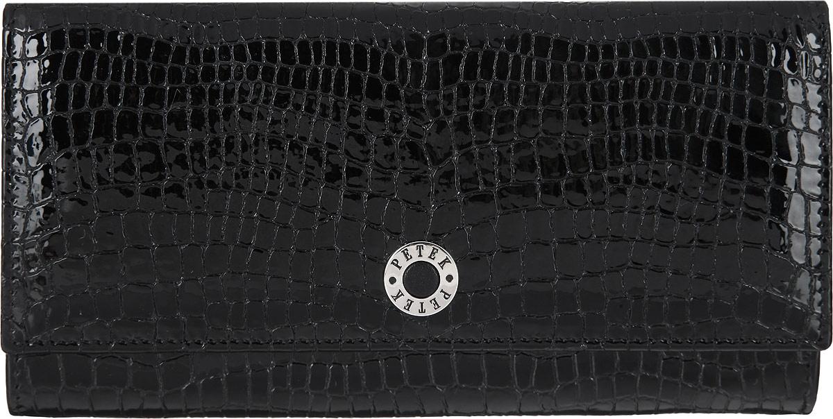 Портмоне женское Petek 1855, цвет: черный. 379.091.01BM8434-58AEСтильное портмоне Petek 1855 выполнено из высококачественной натуральной кожи с фактурным тиснением под кожу рептилии, оформлено металлической фурнитурой с символикой бренда.Портмоне закрывается клапаном на кнопку, внутри изделия расположены отделение для купюр, три кармашка для мелочей, пять карманов для кредитных карт, один из которых дополнен сетчатой вставкой. Снаружи, на задней стороне изделия, располагаются врезной карман на молнии и накладной карман.Портмоне упаковано в коробку из плотного картона с логотипом фирмы.Это элегантное портмоне непременно подойдет к вашему образу и порадует стилем и функциональностью.