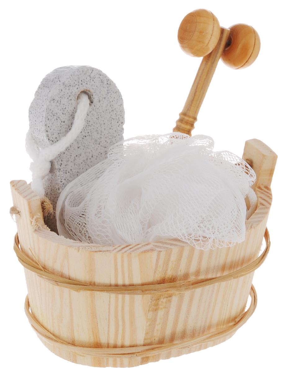 Набор для ванной и бани Феникс-Презент Морозное утро, 4 предмета531-401Набор для ванной и бани Феникс-презент Морозное утро включает: - мочалка для купания из полиэтилена, - пемза для ухода за кожей,- массажный ролик из древесины павловнии, - лохань из древесины тополя. Такой мини-набор станет не заменимым и сделает банную процедуру еще более комфортной и расслабляющей. Диаметр мочалки из полиэтилена: 11 см.Размер лохани: 12,5 х 9,2 х 7,8 см.Размер пемзы: 9,5 х 4,2 х 1,5 см. Размер массажного ролика: 13 х 3,7 х 2,1 см.