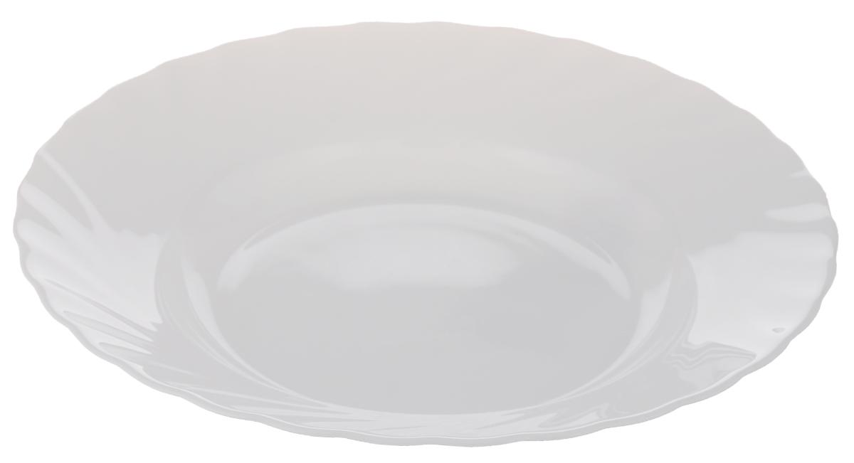 Тарелка глубокая Luminarc Trianon, диаметр 23 см115510Глубокая тарелка Luminarc Trianon выполнена из ударопрочного стекла и имеет классическую круглую форму. Она прекрасно впишется в интерьер вашей кухни и станет достойным дополнением к кухонному инвентарю. Тарелка Luminarc Trianon подчеркнет прекрасный вкус хозяйки и станет отличным подарком. Диаметр тарелки (по верхнему краю): 23 см.