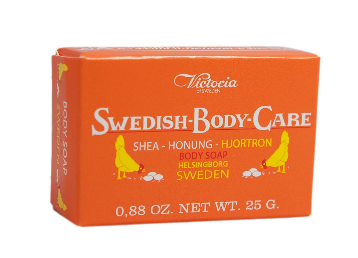 Victoria Мыло для тела с морошкой Soap Shea-Honung-Hjortron, 25 гMFM-3101Вдохновленные шведской природой, солнечными полянами, густым лесами и ягодами, насыщенными витаминами, компания Victoria создала серию мыло для тела «Шведские ягоды». В старинный рецепт мыла были добавлены такие ингредиенты как Шведский мед и экстракты ягод.Мыло для тела «Шведские ягоды» с экстрактом морошки имеет густую бархатную пену с букетом плодов пальмового дерева, оливы и морошки с высоким содержанием липидов. Плотная нежная пена легко смывается с тела и не раздражает кожу.Тонкий аромат шведского мыла, морошки и полевых цветов окутают тело Вас в прохладную погоду вуалью комфорта и наслаждения.