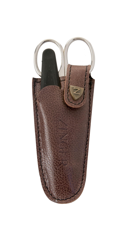 Zinger Маникюрный набор zMs Z-1 S-N1092018Ман. набор 2 предмета (ножницы кутикульные, пилка алмазная). Чехол натуральная кожа. Цвет инструментов - глянцевое серебро. Оригинальная фирменная коробка