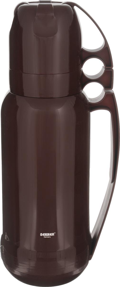Термос Bekker Koch, с кружками, цвет: коричневый, 1,8 лVT-1520(SR)Термос Bekker Koch, изготовленный из высококачественного цветного пластика, является простым в использовании, экономичным и многофункциональным. Термос предназначен для хранения горячих и холодных напитков (чая, кофе) и укомплектован откручивающейся крышкой без кнопки. Такая крышка надежна, проста в использовании и позволяет дольше сохранять тепло благодаря дополнительной теплоизоляции. Изделие оснащено стеклянной колбой и двумя кружками. Легкий и прочный термос Bekker Koch сохранит ваши напитки горячими или холодными надолго.Высота (с учетом крышки): 38 см.Диаметр горлышка: 6,5 см.Диаметр чашки (по верхнему краю): 9,5 см.Высота чаши: 8 см.