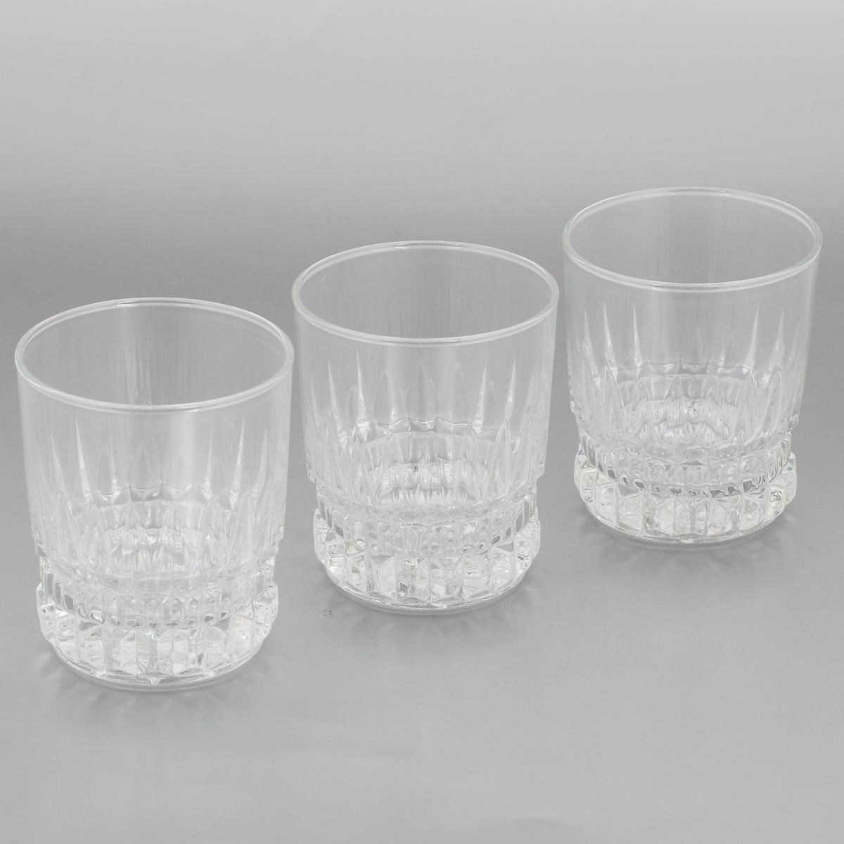 Набор стаканов Luminarc Imperator, 300 мл, 3 штVT-1520(SR)Набор Luminarc Imperator состоит из 3 граненых стаканов, выполненных из высококачественного стекла. Изделия имеют изысканный дизайн, утонченную форму и ослепительный блеск. Могут использоваться для алкогольных и безалкогольных напитков. Такой набор станет прекрасным дополнением сервировки стола, подойдет для ежедневного использования и для торжественных случаев. Можно мыть в посудомоечной машине. Диаметр стакана (по верхнему краю): 8 см.Высота: 9,5 см.