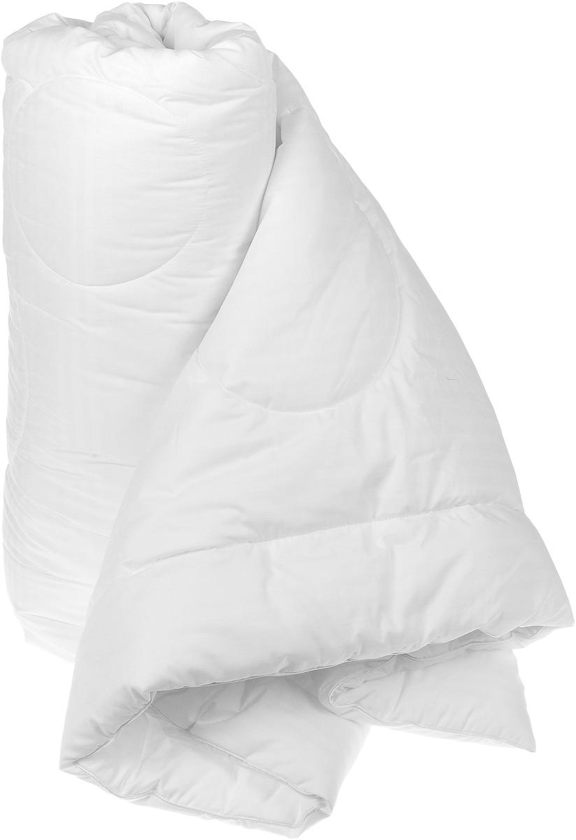 Одеяло Versal, 200 см х 220 см121031106Легкое и нежное одеяло Versal с наполнителем экофайбер в чехле из сатина придется по душе ценителям классики и комфорта.Экофайбер - очень теплый, гипоаллергенный материал, который не впитывает пыль и запахи. Такое одеяло согревает зимой и дарит прохладный сон летом. Оригинальная стежка равномерно распределяет наполнитель в чехле.Простое в уходе, одеяло легко стирается в бытовой стиральной машине и быстро высыхает. Ваше одеяло прослужит долго, а его привлекательный внешний вид, при правильном уходе, будет годами дарить вам уют.Характеристики: Материал верха: сатин (100% хлопок).Материал наполнителя: экофайбер (заменитель пуха).Размер: 200 см х 220 см.Степень теплоты: 3.Производитель: Россия.Артикул: 121031106.ТМ Primavelle - качественный домашний текстиль для дома европейского уровня, завоевавший любовь и признательность покупателей. ТМ Primavelleрада предложить вам широкий ассортимент, в котором представлены: подушки, одеяла, пледы, полотенца, покрывала, комплекты постельного белья. ТМ Primavelle- искусство создавать уют. Уют для дома. Уют для души.