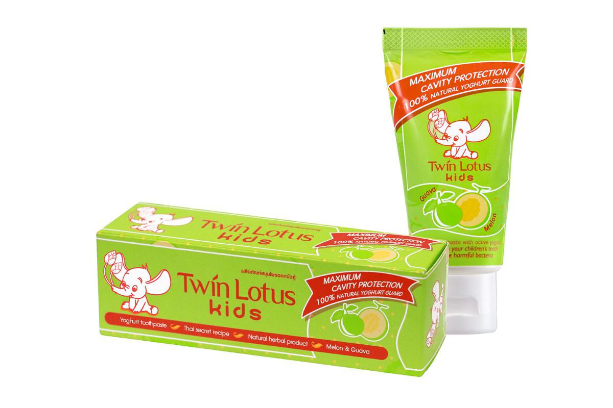 Twin Lotus Kids Зубная паста Melon & Guava (Дыня и Гуава), 50 г5010777139655Для молочных и постоянных зубов.Не содержит фтора, лауритсульфат натрия, парабенов, ПЭГ.Зубная паста предназначена для детей от 3 до 10 лет. Препятствуетросту бактерий, обеспечивая надежную защиту от кариеса, нормализуют микробный состав полости рта, укрепляет зубную эмаль, предотвращая потерю кальция, обладает приятным фруктовым вкусом.