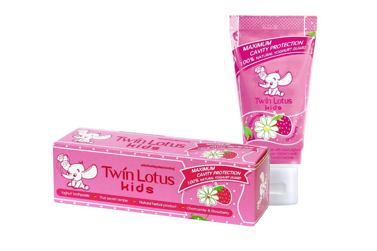 Twin Lotus Kids Зубная паста Chamomile & Strawbery (Клубника и Ромашка), 50 г1381Для молочных и постоянных зубов.Не содержит фтора, лауритсульфат натрия, парабенов, ПЭГ.Зубная паста предназначена для детей от 3 до 10 лет. Препятствуетросту бактерий, обеспечивая надежную защиту от кариеса, нормализуют микробный состав полости рта, укрепляет зубную эмаль, предотвращая потерю кальция, обладает приятным фруктовым вкусом.