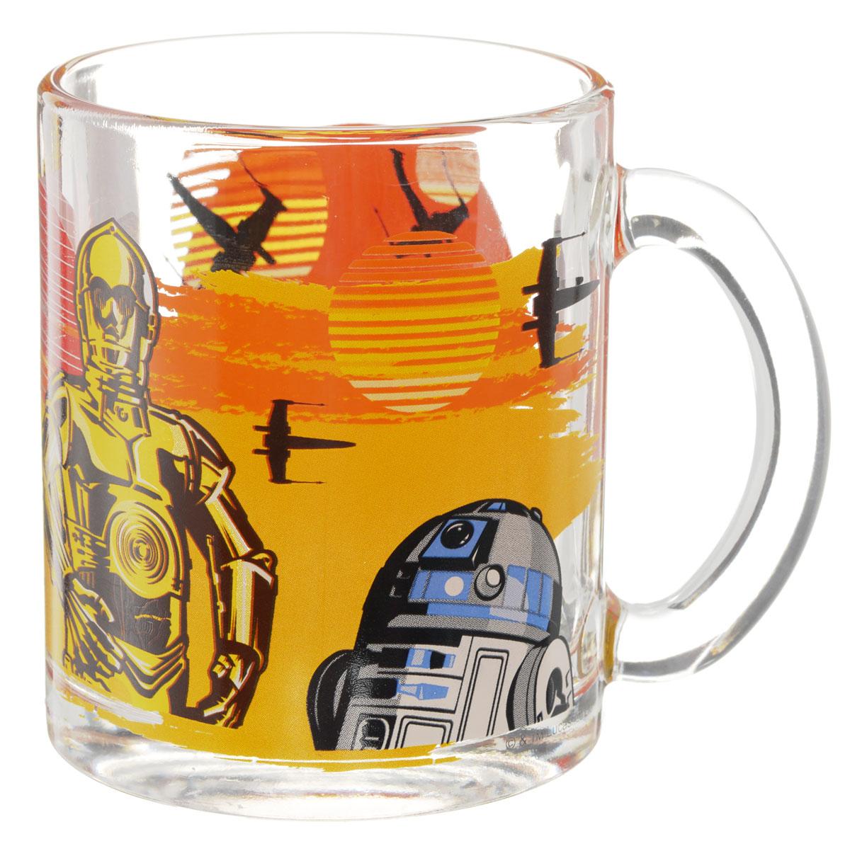 Star Wars Кружка детская Роботы 300 млSWG0103Детская кружка Star Wars Роботы с любимыми героями станет отличным подарком для вашего ребенка. Она выполнена из стекла и оформлена изображением героев киновселенной Звездные войны. Кружка дополнена удобной ручкой. Такой подарок станет не только приятным, но и практичным сувениром: кружка будет незаменимым атрибутом чаепития, а оригинальное оформление кружки добавит ярких эмоций и хорошего настроения.Можно использовать в посудомоечной машине.