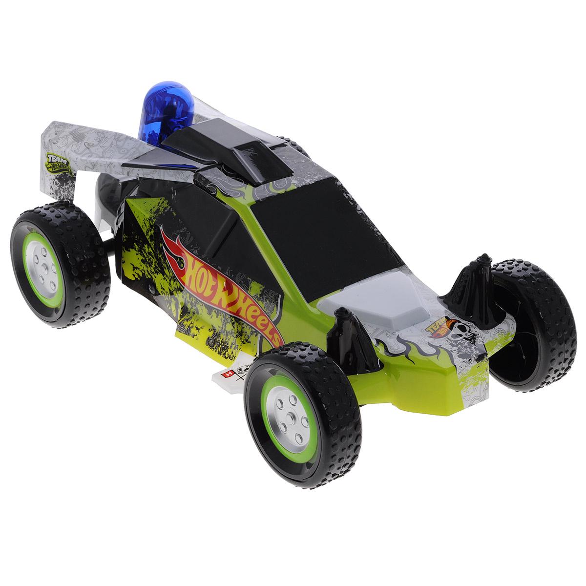 """Радиоуправляемая модель Hot Wheels """"Nitro Buggy"""" обязательно понравится вашему малышу! Невероятно сверхскоростная, легкая и маневренная машинка изготовлена из прочного пластика, шины выполнены из мягкой резины. Машинка управляется при помощи удобного и эргономичного пульта с антенной. Модель разгоняется до 20 км/ч и может двигаться в 8 различных направлениях (4 из них - задним ходом). Машинка оснащена нитроускорителем и имеет эффект двойного ускорения. Нажмите на кнопку двойного ускорения, расположенную на пульте управления машинкой, нитроускоритель засветится, а багги разгонится сильнее обычного. Ваш ребенок часами будет играть с игрушкой, придумывая различные истории и устраивая соревнования. Порадуйте его таким замечательным подарком! Машинка работает от сменного аккумулятора (входит в комплект). Для работы пульта управления необходимы 2 батарейки типа АА (товар комплектуется демонстрационными)."""