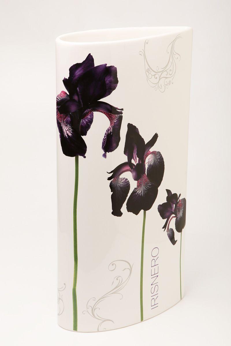 Ваза Ceramiche Viva Черные ирисы, высота 30 смFS-80418Изящная ваза Ceramiche Viva Черные ирисы изготовлена из керамики и оформлена цветочным рисунком. Изделие сочетает в себе оригинальный дизайн с максимальной функциональностью.Ваза Ceramiche Viva Черные ирисы дополнит интерьер офиса или дома и станет желанным подарком для ваших близких.Диаметр вазы: 16 см.Высота вазы: 30 см.