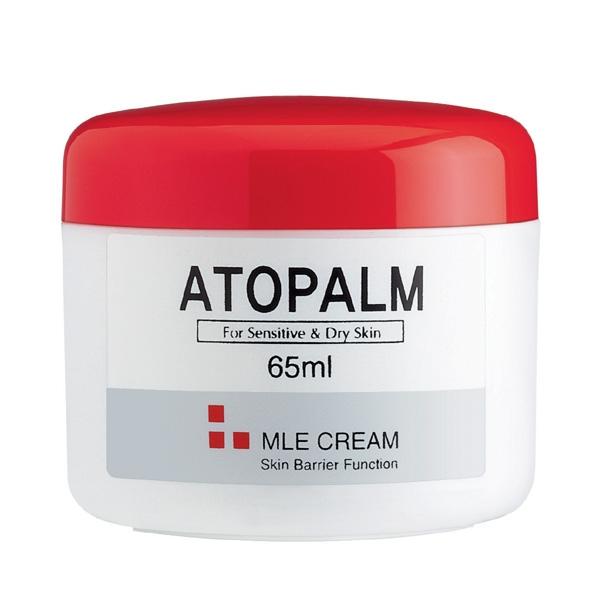 Atopalm Крем с многослойной эмульсией, 65 млВМТ002технологию защиты кожи, основанную на MLE. MLE – это многослойная эмульсия, которая воспроизводит слоистую структуру кожи. глубоко увлажняет кожу, восстанавливает её барьерные функции, снимает воспаление и раздражение кожи, способствует заживлению различных кожных высыпаний, микротрещин, царапин.