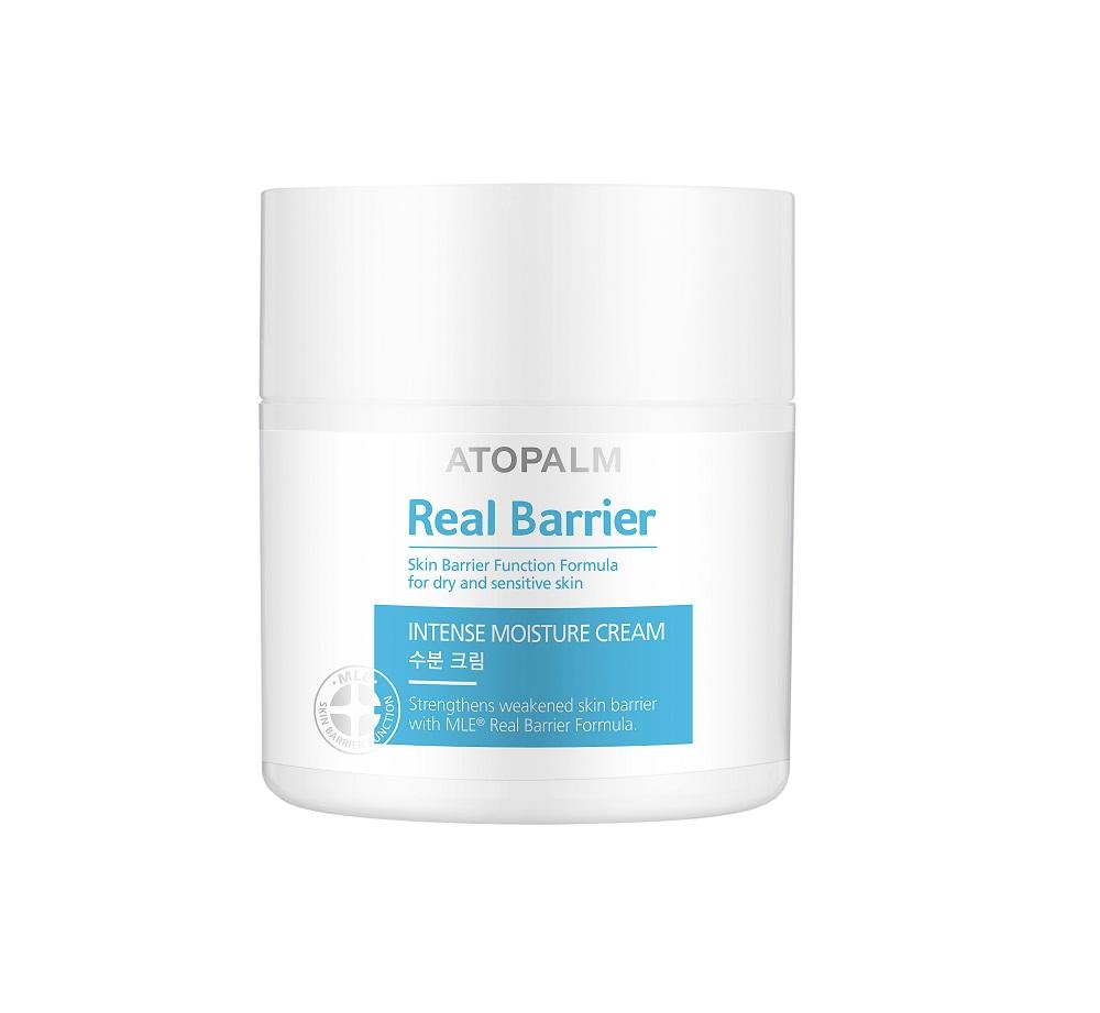 Atopalm Интенсивно увлажняющий крем Real Barrier, 50 мл2850100000Компанияпроизводитель Neopharm разработала уникальную технологию защиты кожи, основанную на MLE. MLE – это многослойная эмульсия, которая воспроизводит слоистую структуру кожи и быстро и эффективно восстанавливает её барьерную функцию. Серия средств Real Barrier содержит комплекс компонентов, которые успокаивают, восстанавливают и защищают чувствительную и сухую кожу. Крем обеспечивает интенсивное увлажнение и смягчение кожи. Он восстанавливает и снимает раздражение с очень сухих и поврежденных участков кожи. Используйте сразу после нанесения эссенцииспрея.