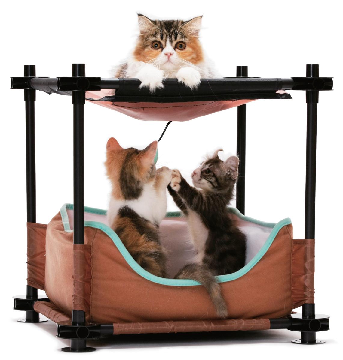 Лежак для кошек Kitty City Барские покои, 44 х 45 х 45 смFIDB-9033Лежак Kitty City Барские покои поразит вас своим непревзойденным удобством. И будьте уверены, кошка тоже оценит уникальные преимущества нового спального места. Лежак сочетает в себе функции прекрасной кровати и игрового комплекса. Он великолепно подходит для активных и озорных животных, которые даже перед сном предпочитают поиграть с подвесной игрушкой и плавно из состояния игры перейти в глубокий сладкий сон. Лежак изготовлен из высокопрочных, устойчивых к повреждениям материалов. Каркас из пластиковых трубок удобно собирается и разбирается, облегчая транспортировку и хранение. Спальное место изготовлено из мягкого флиса. Игрушка выполнена в виде полумесяца. Лежак прекрасно подойдет для использования как индивидуально, так и в совокупности с игровыми комплексами Kitty City.