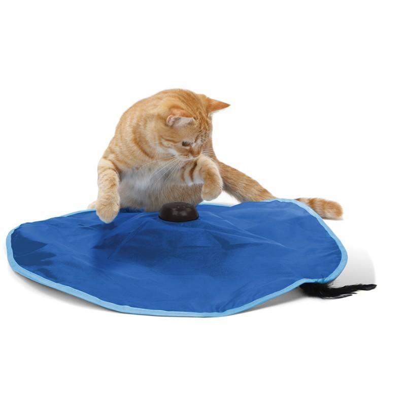 Игрушка для кошек SportPet Designs Сatch Me If You Can, 60 х 60 х 9 см0120710Игрушка для кошек SportPet Designs Сatch Me If You Can - это уникальное развлечение для вашего любимца. С ее помощью вы сможете разнообразить досуг кошки и сделать ее более подвижной. Изделие представляет собой текстильный коврик, под которым находится пластиковая палочка с перьями. При включении палочка спонтанно циркулирует вокруг, останавливается и меняет направление, имитируя поведение живой мышки и тем самым увлекая вашего питомца в игру. Быстро движущаяся палочка развлекает котов часами. Кошкам понравится пытаться поймать быстро бегущую мышь, а четыре скорости не дадут заскучать. Просто щелкните выключателем - и ваша кошка надолго будет увлечена интереснейшей и энергичной игрой. Такая игрушка не оставит равнодушными даже самых ленивых котов! Игрушка работает без подключения к сети, она абсолютно безопасна и легка в обращении. Работает от батареек типа АА (батарейки в комплект не входят).