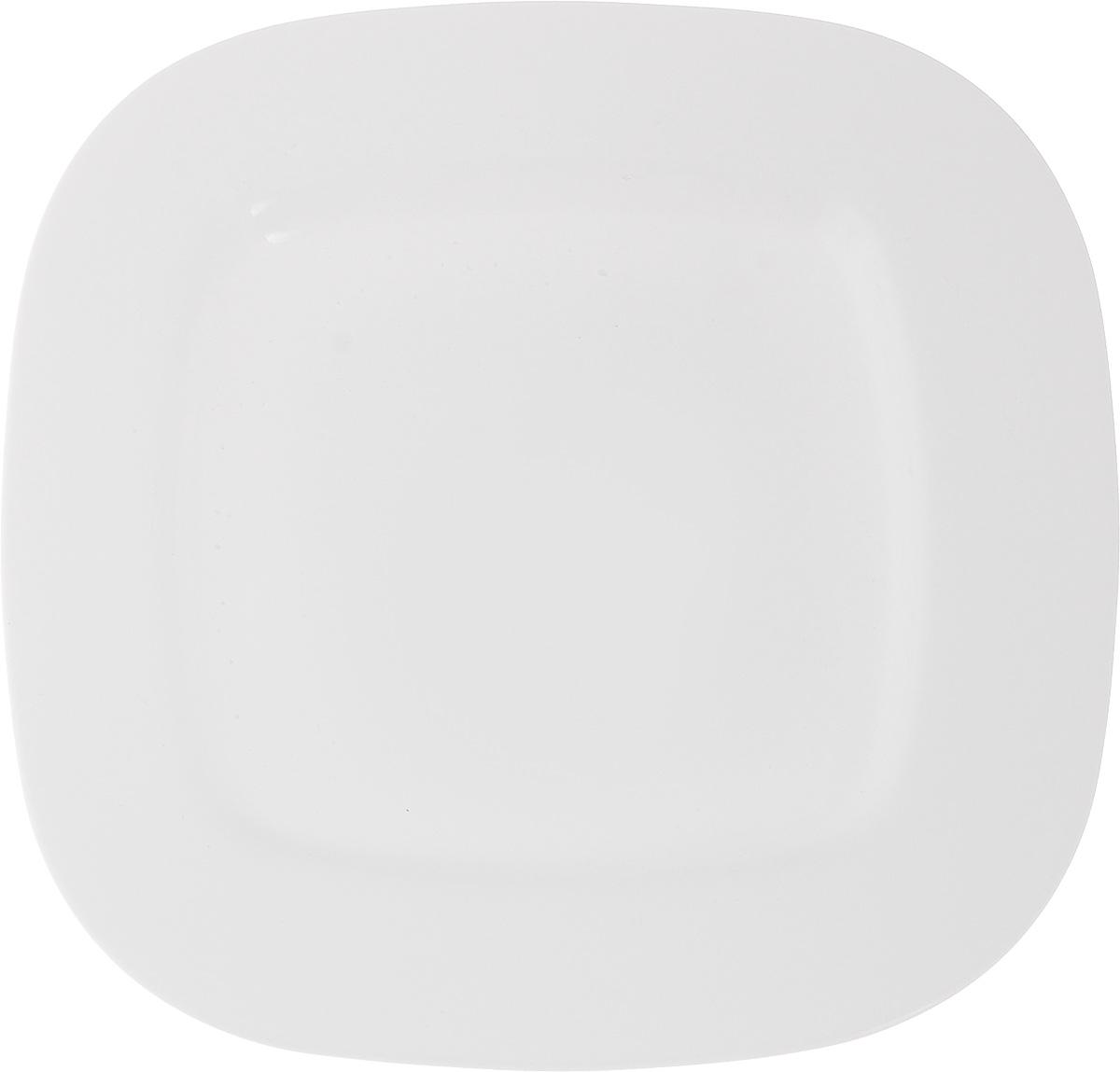 Тарелка обеденная Luminarc Squera, 28 х 28 см115510Обеденная тарелка Luminarc Squera, изготовленная из высококачественного стекла, имеет изысканный внешний вид. Яркий дизайн придется по вкусу и ценителям классики, и тем, кто предпочитает утонченность. Тарелка Luminarc Squera идеально подойдет для сервировки вторых блюд из птицы, рыбы, мяса или овощей, а также станет отличным подарком к любому празднику.Размер тарелки (по верхнему краю): 28 х 28 см.