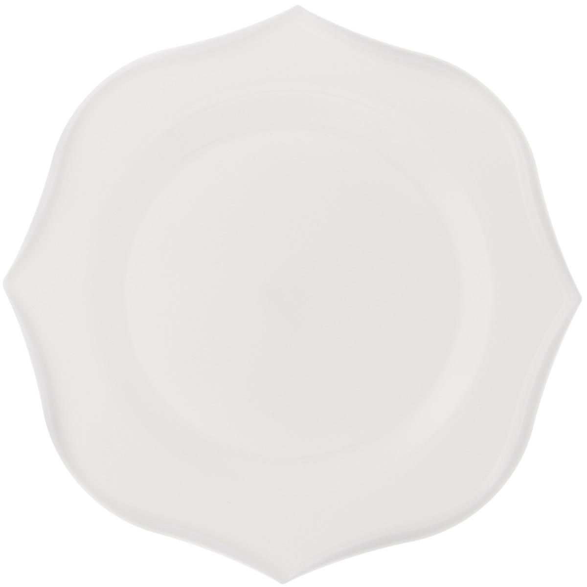 Тарелка обеденная Luminarc Louisa, 28,5 х 28,5 см993153402Обеденная тарелка Luminarc Louisa, изготовленная из высококачественного стекла, имеет изысканный внешний вид. Яркий дизайн придется по вкусу и ценителям классики, и тем, кто предпочитает утонченность. Тарелка Luminarc Louisa идеально подойдет для сервировки вторых блюд из птицы, рыбы, мяса или овощей, а также станет отличным подарком к любому празднику.Размер тарелки (по верхнему краю): 28,5 х 28,5 см.